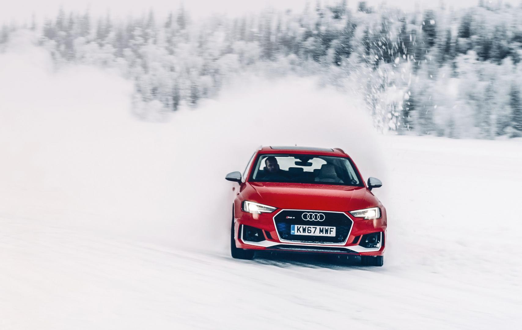 Audi RS4 Sneeuwpret