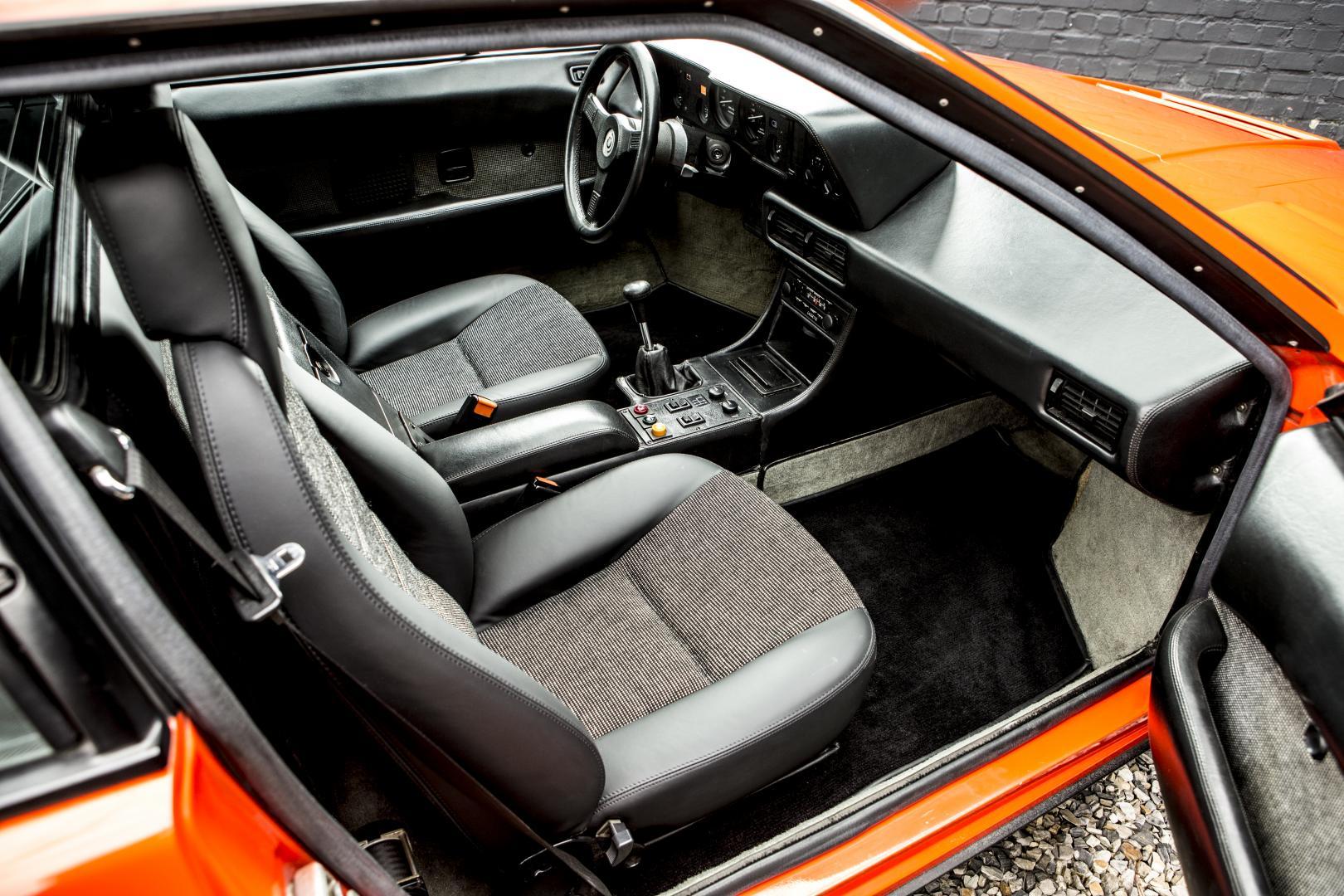 Veiling BMW M1 interieur (1980)