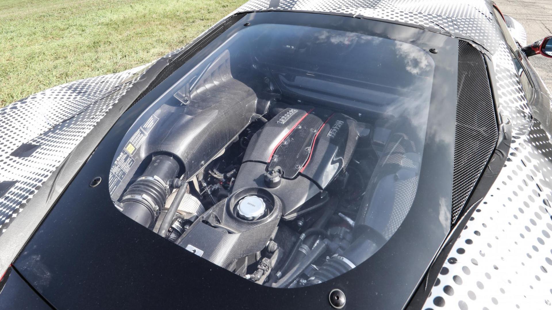 Ferrari 488 Pista motor (2018)