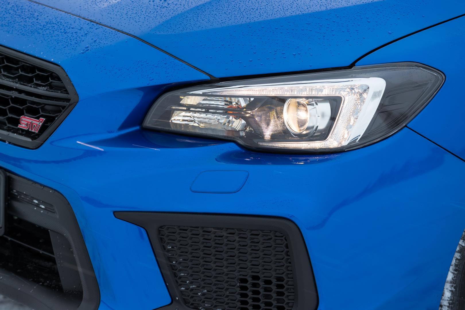 Subaru WRX STI koplamp (2018)