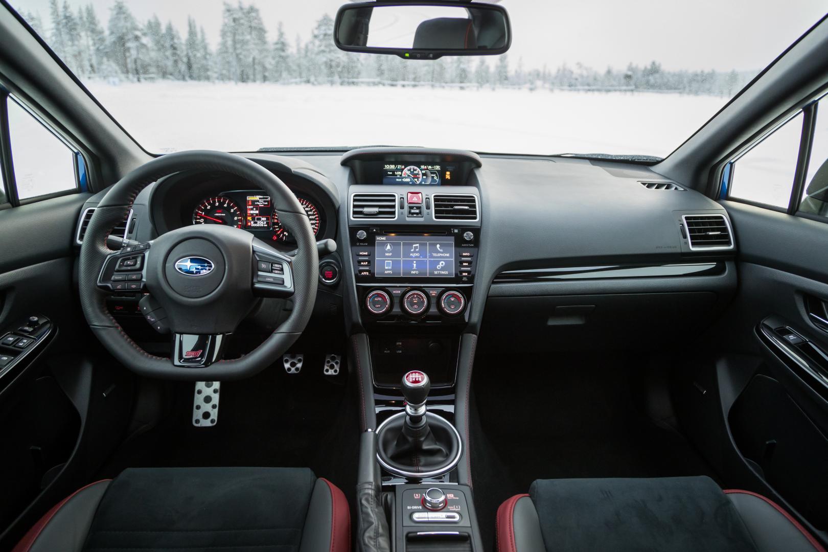 Subaru WRX STI interieur (2018)