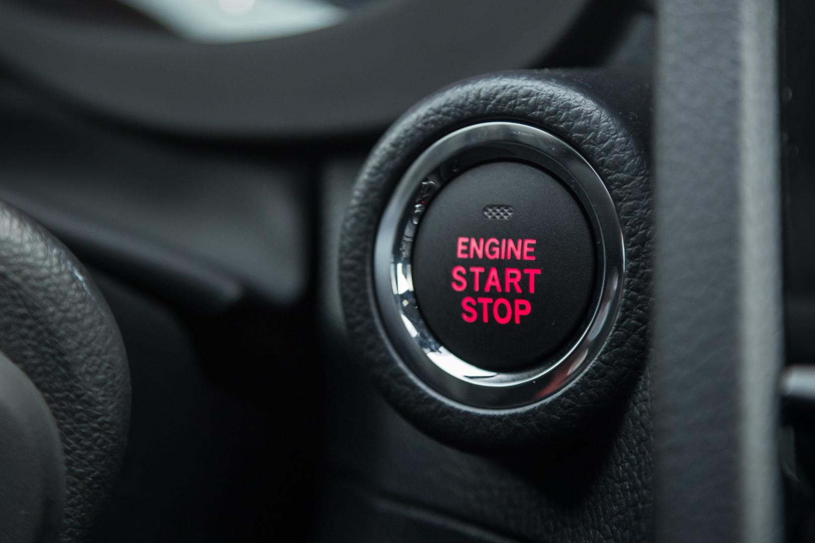 Subaru WRX STI engine start knopje (2018)