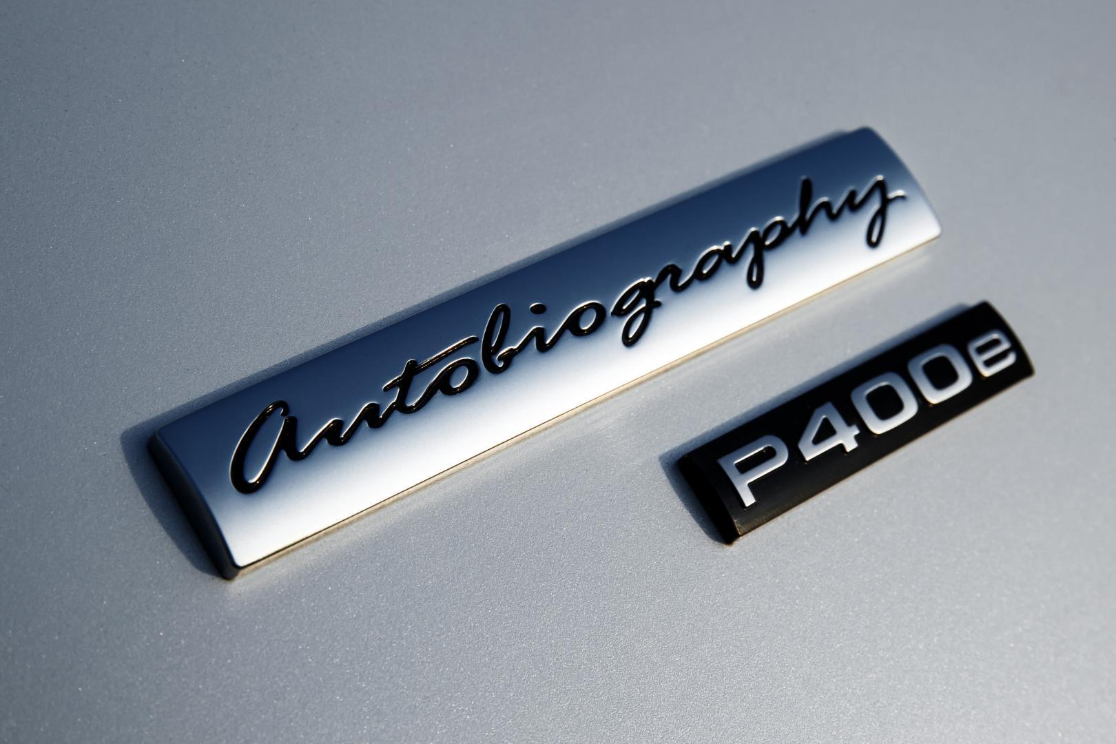 Range Rover P400e PHEV badge (2018)
