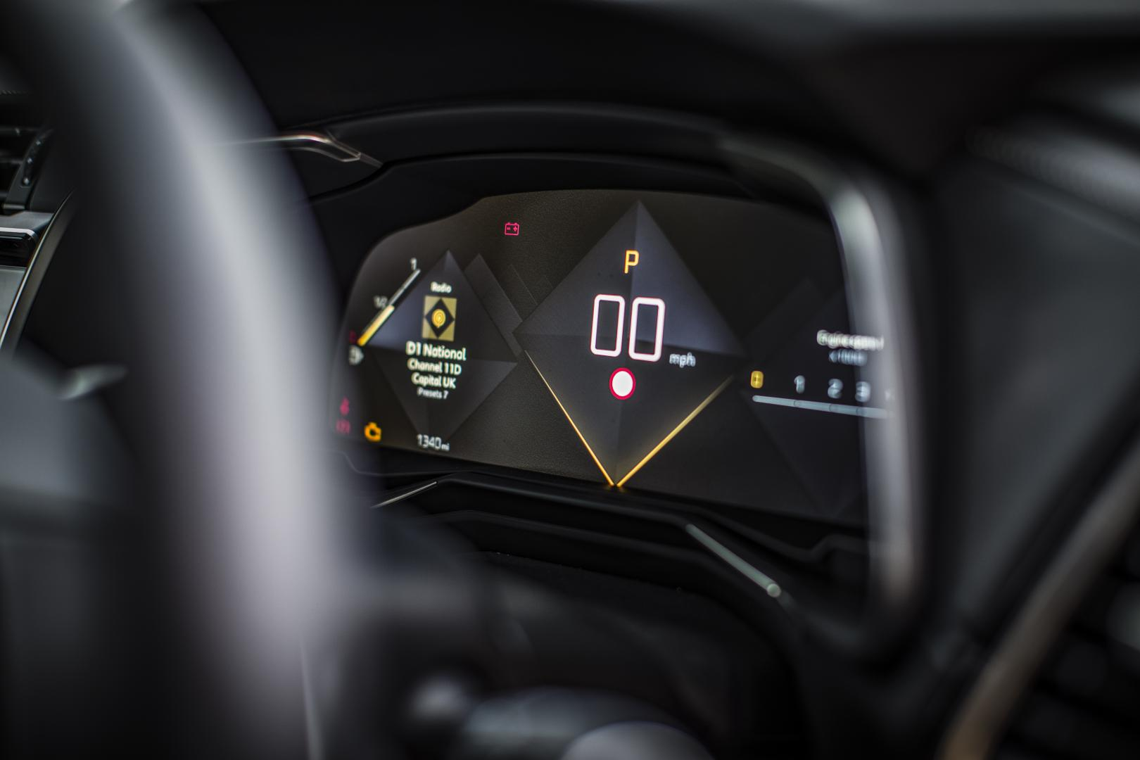 Volvo XC40 D4 AWD First Edition display (2018)