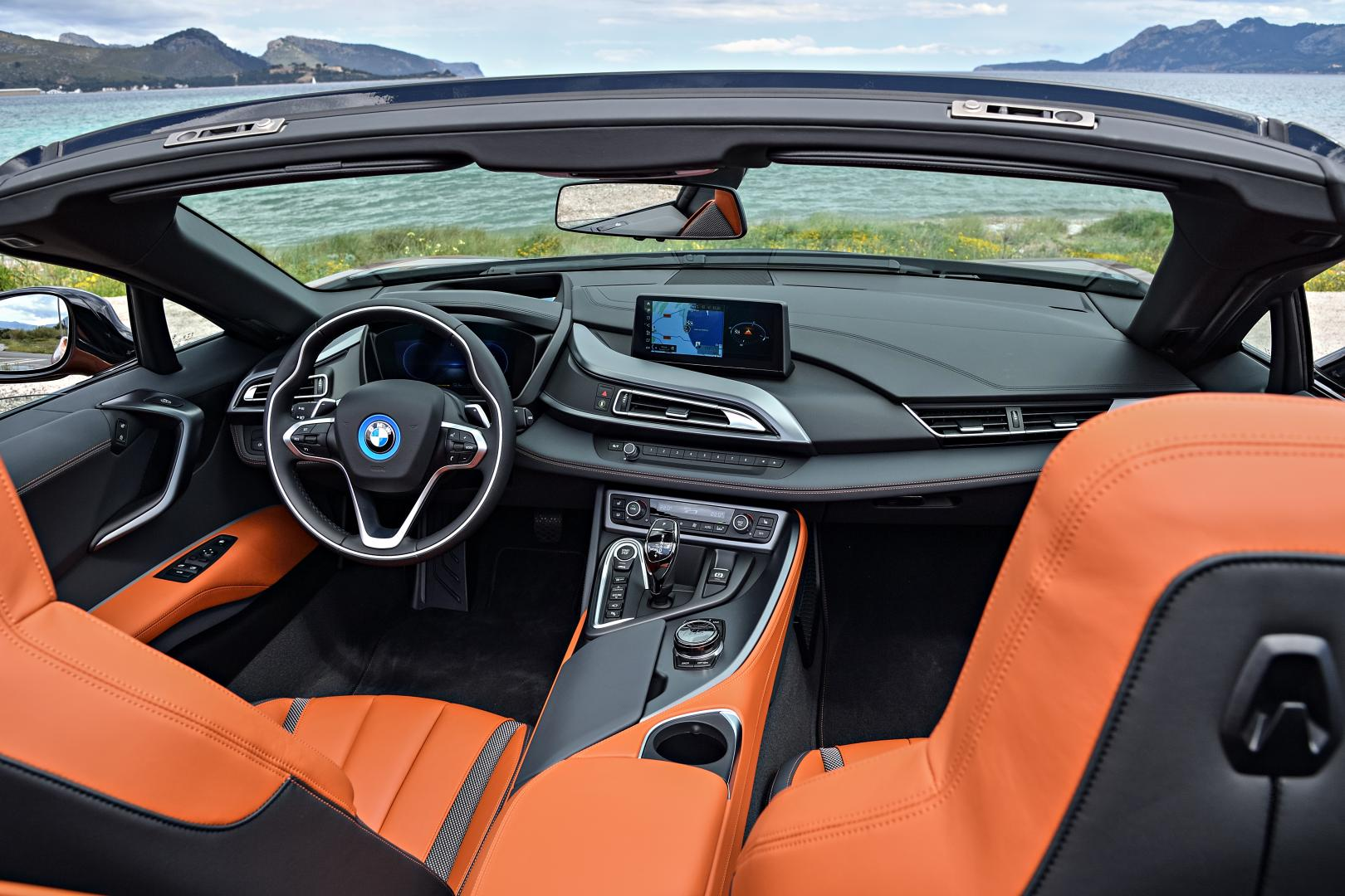 BMW i8 Roadster interieur