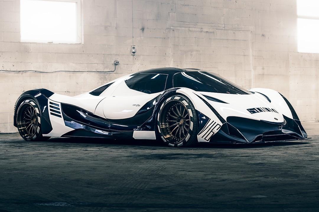 Devel Sixteen Drake