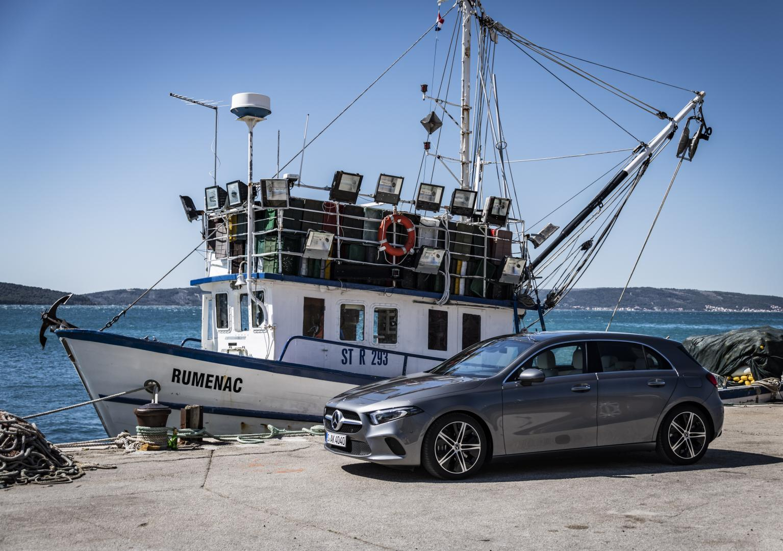 Mercedes A-klasse (2018) grijs boot haven