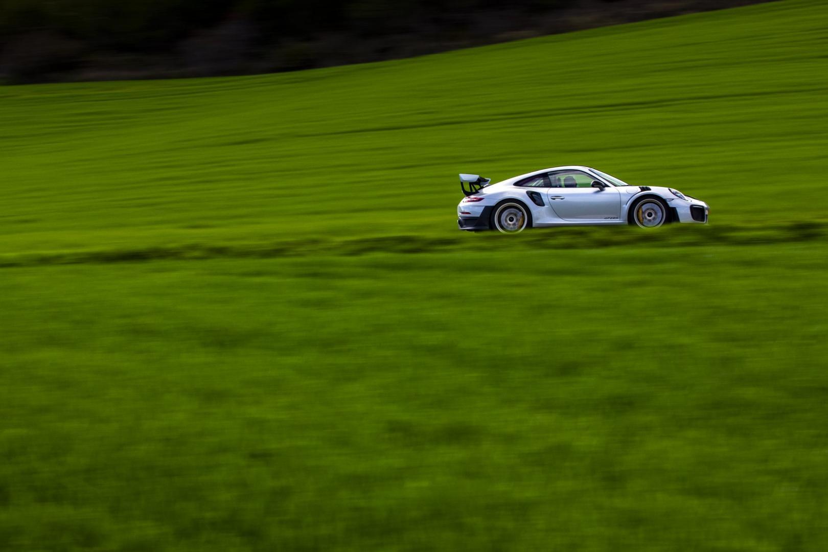 Porsche 911 GT2 RS Weissach