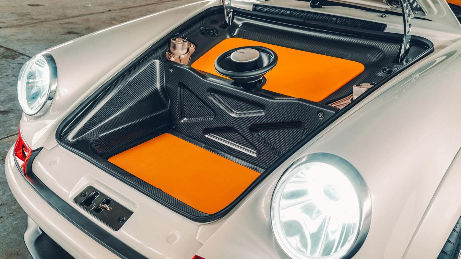 Singer DLS Porsche 911 koolstofvezel