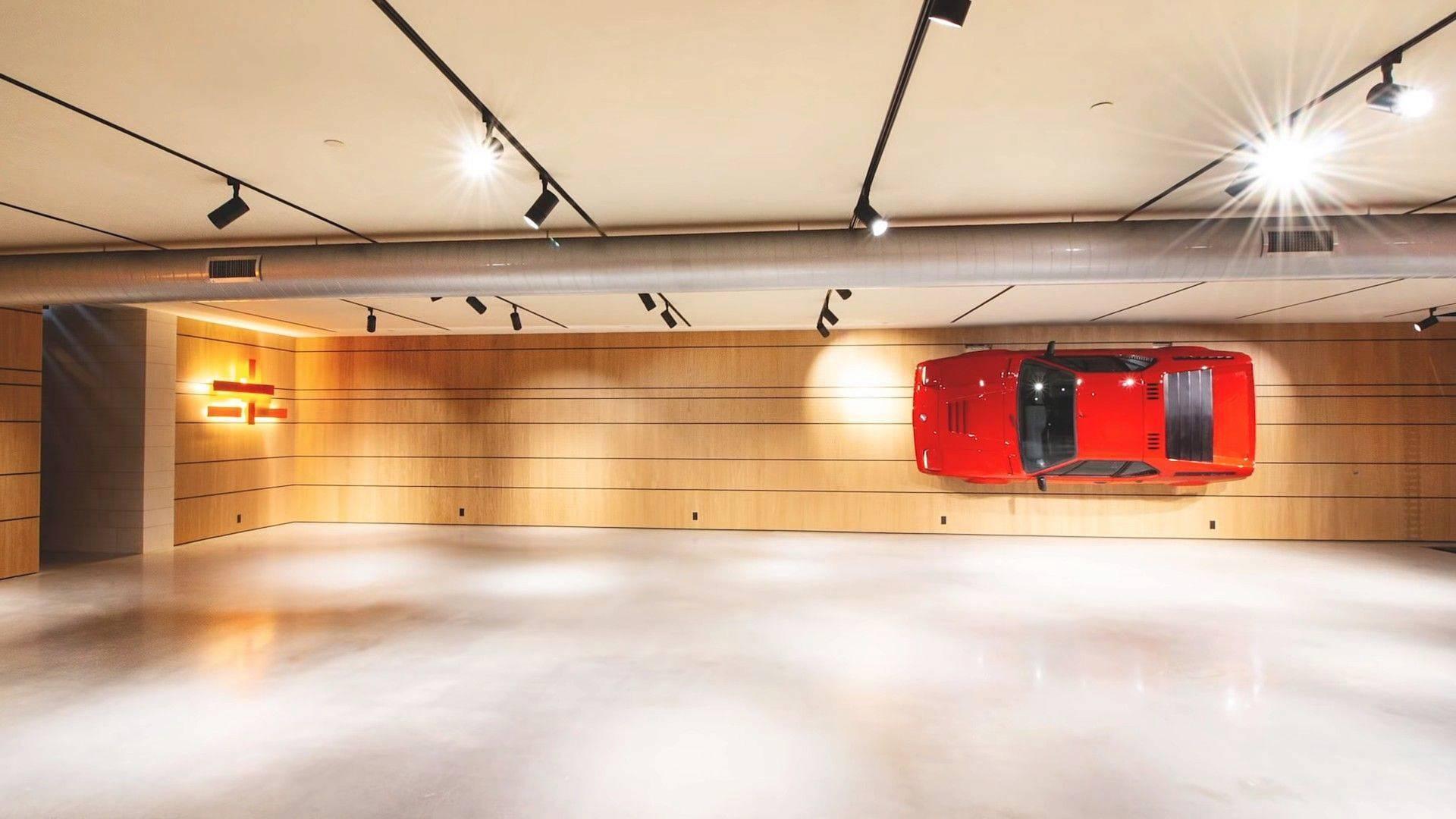 Aan De Muur : Bmw m aan de muur van zijn garage topgear nederland