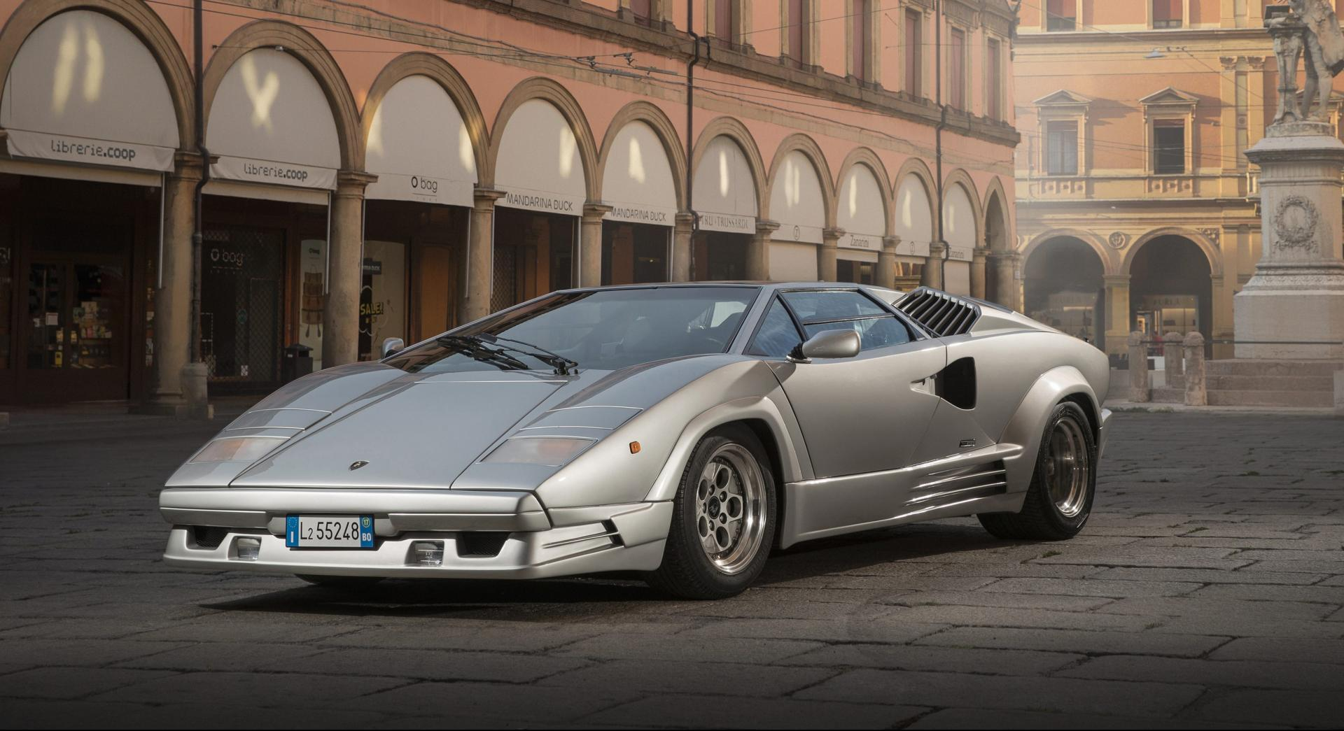 Lamborghini Countach voorkant