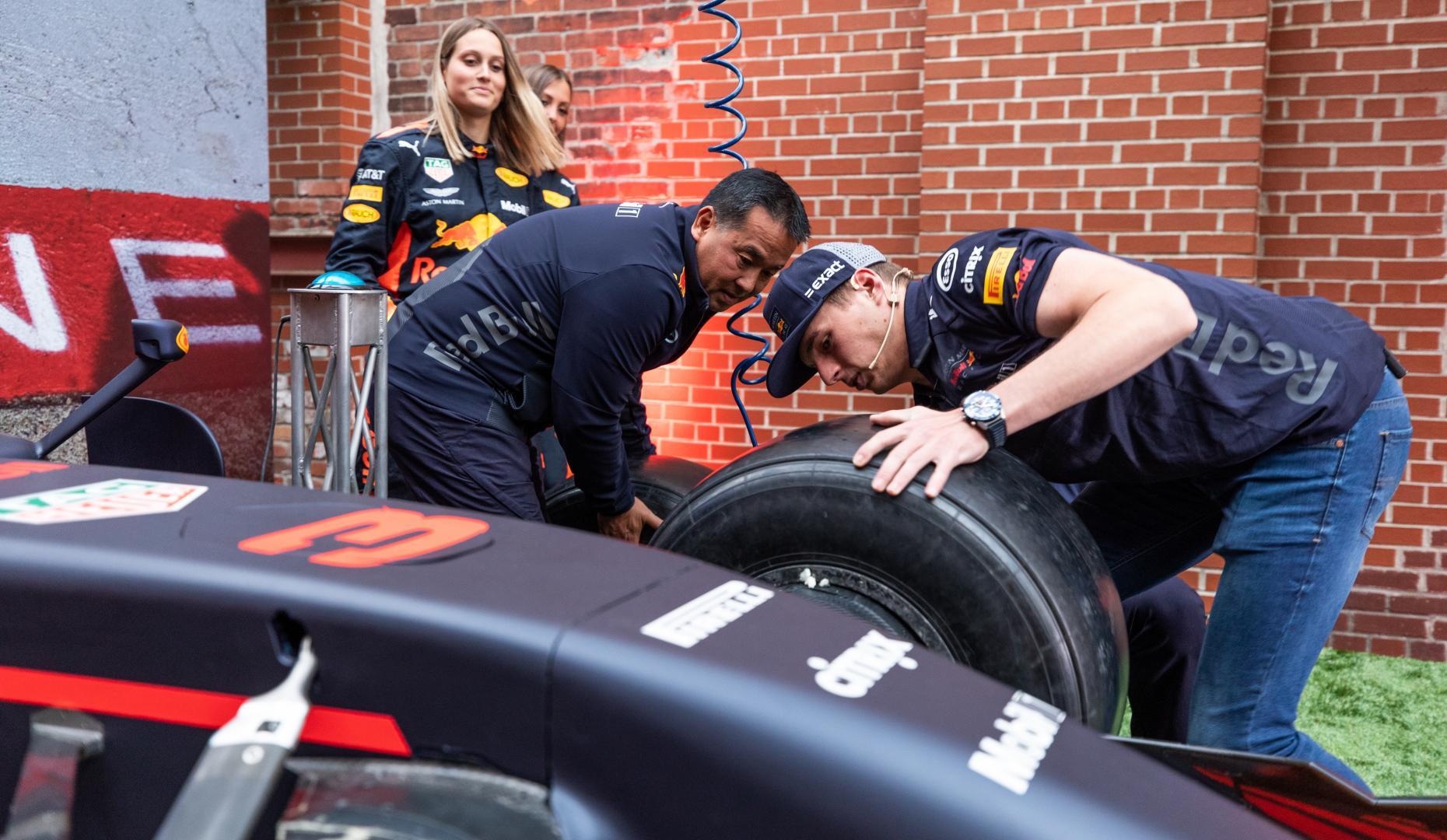 Max Verstappen Weet Niet Alles Over Zijn Red Bull Rb14 Topgear