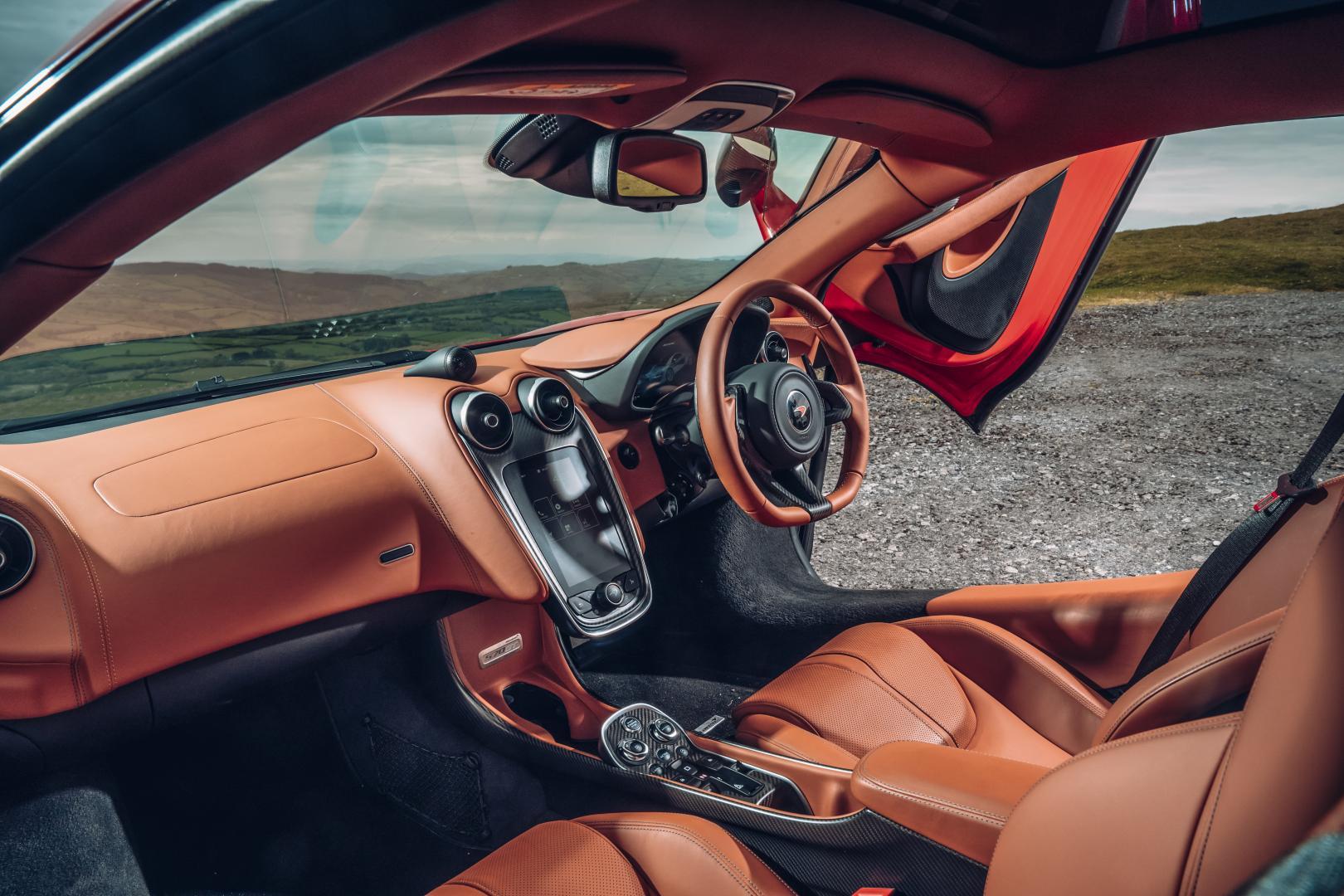 McLaren 570GT interieur