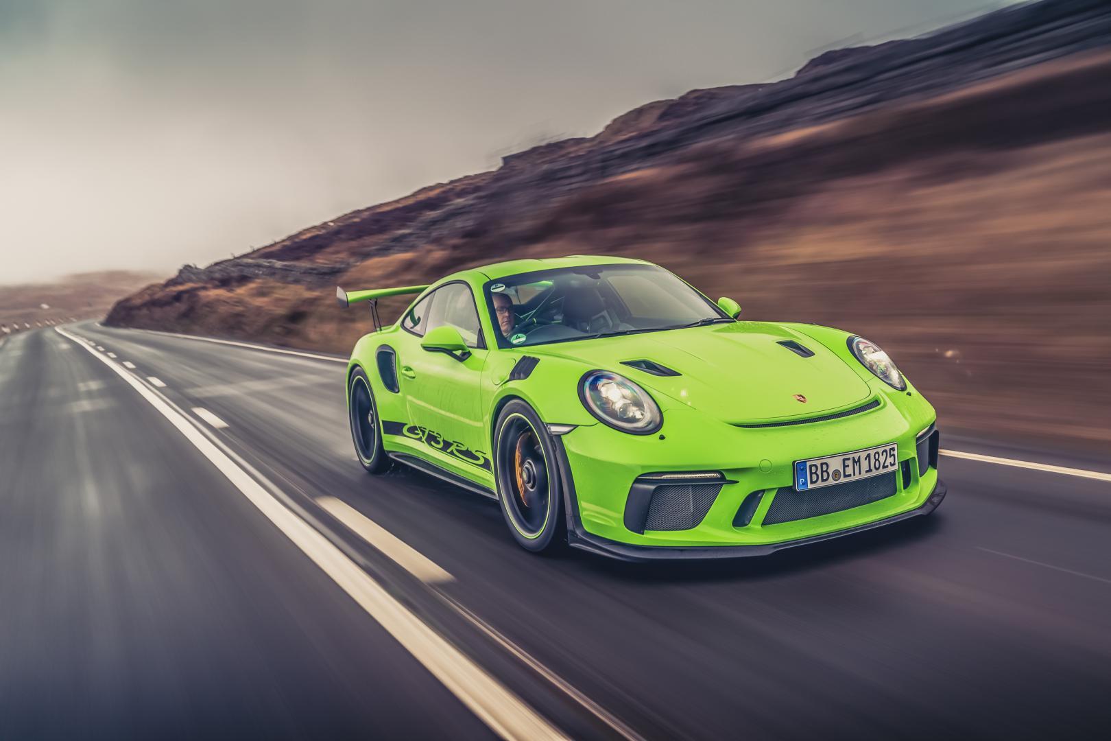 Porsche 911 gt3 rs 991.2 lizard green