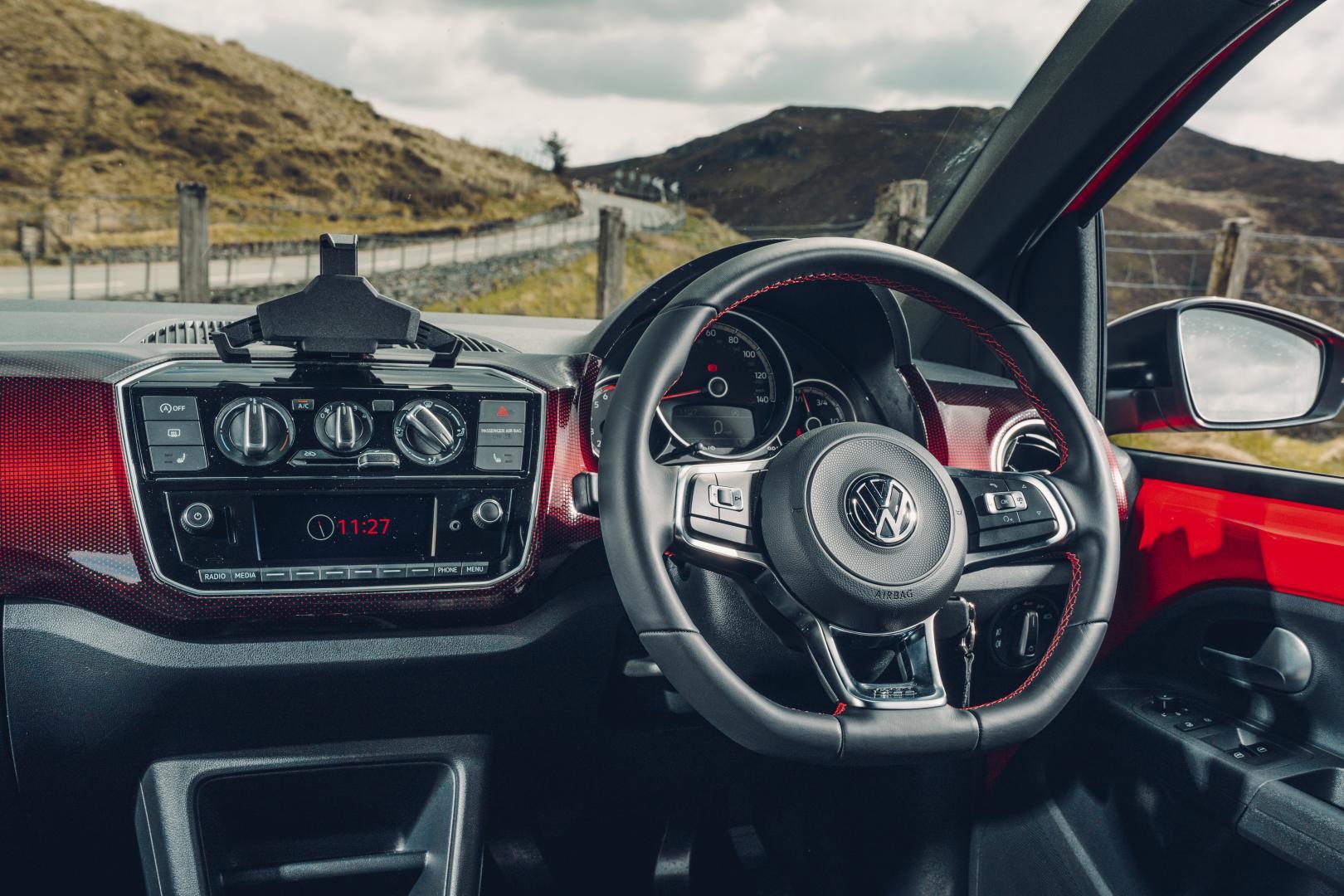 Volkswagen Up GTI cockpit