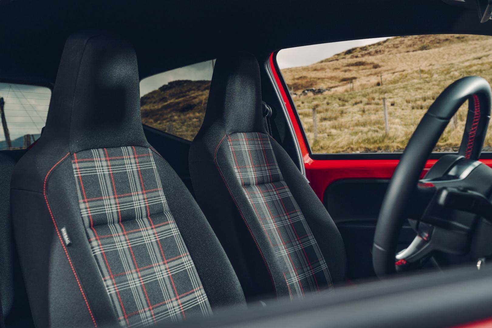 Volkswagen Up GTI interieur