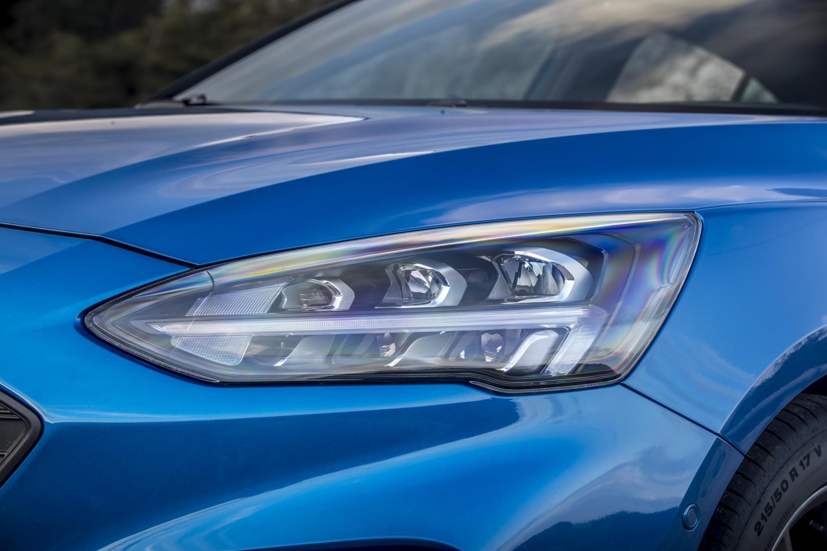 Led Verlichting Auto Mag Dat.Duitse Flitspalen Snappen Niets Van Ledverlichting Topgear