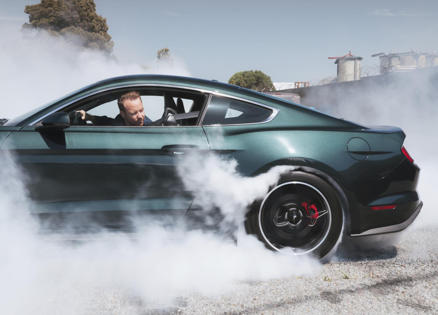 Ford Mustang Bullitt 2018 burnout