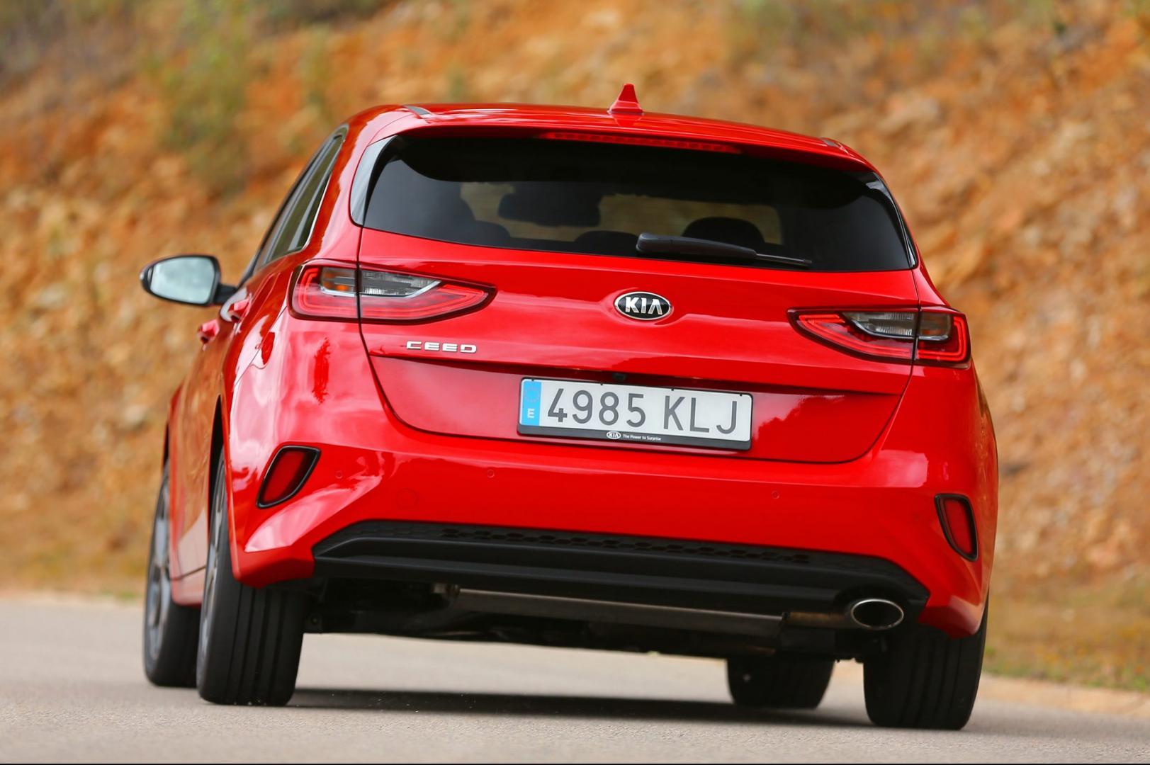 Kia Ceed 1.4 T-GDI 140 pk DynamicLine