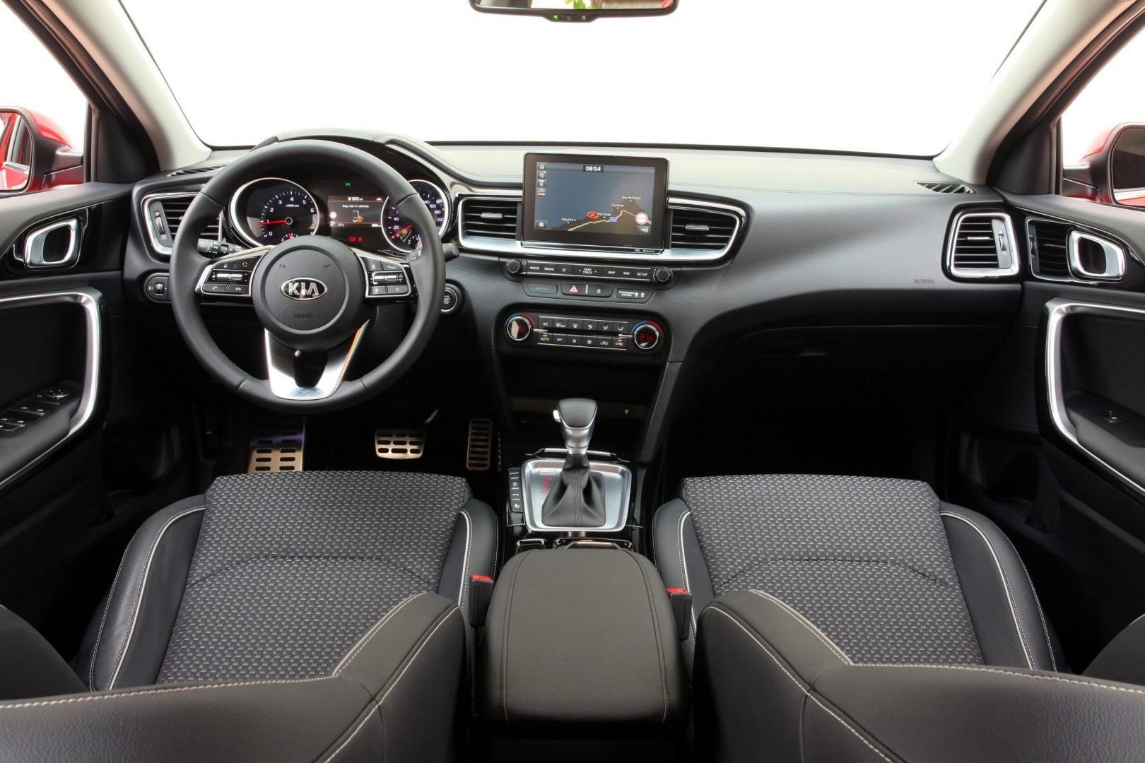 Kia Ceed 1.4 T-GDI 140 pk DynamicLine interieur