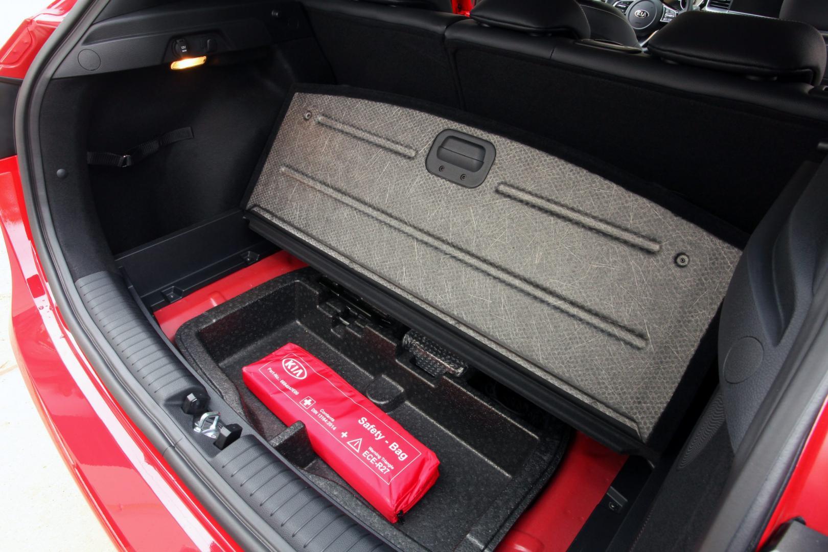 Kia Ceed 1.4 T-GDI 140 pk DynamicLine kofferbak