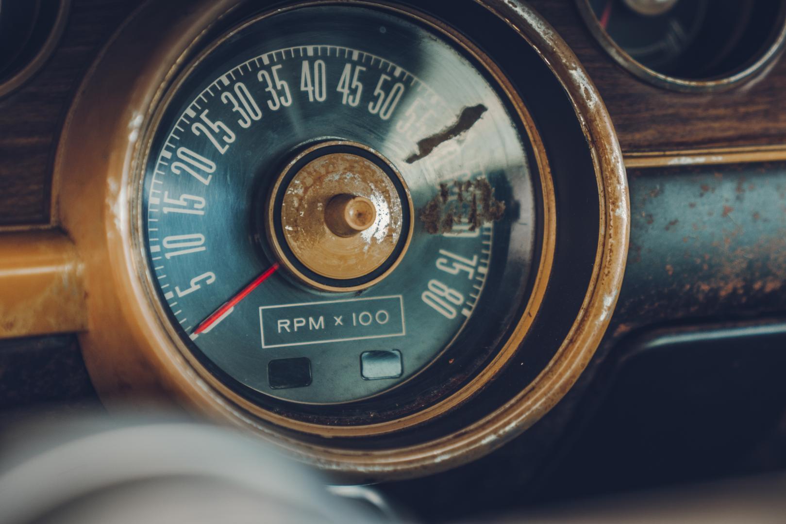 Ford Mustang GT 390 Fastback 68er Highland Green Steve McQueen The Boss snelheidsmeter