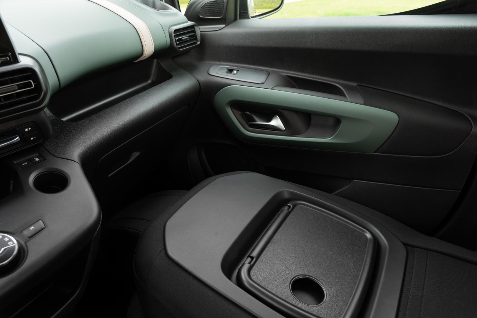Citroën Berlingo PureTech 110 M Shine stoel plat