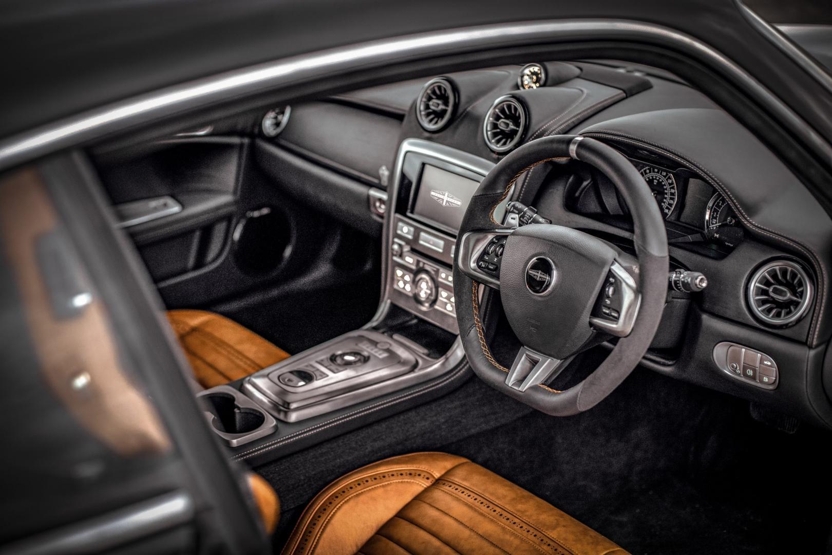 David Brown Speedback GT Silverstone Edition interieur
