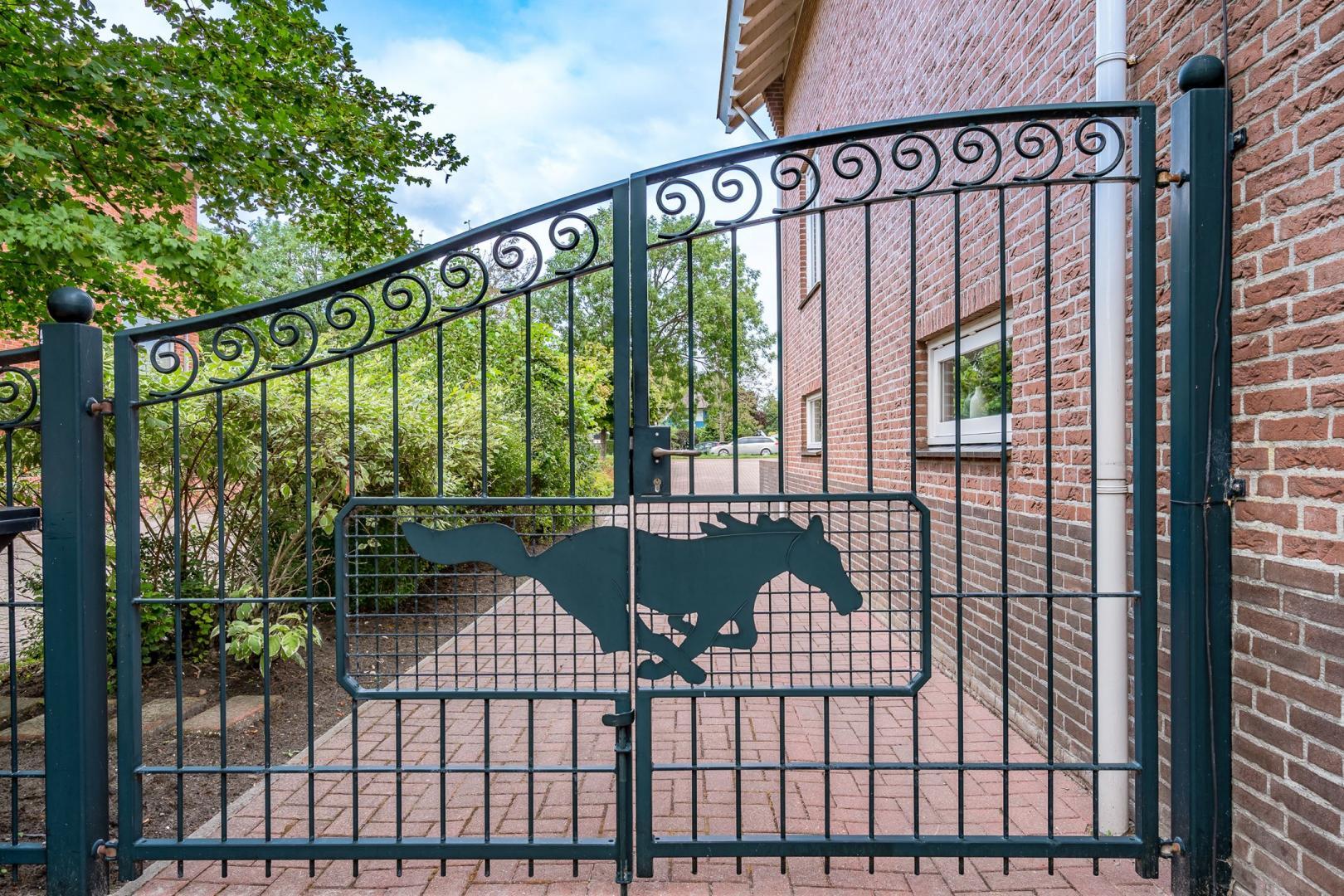 funda mustang huis hek 1