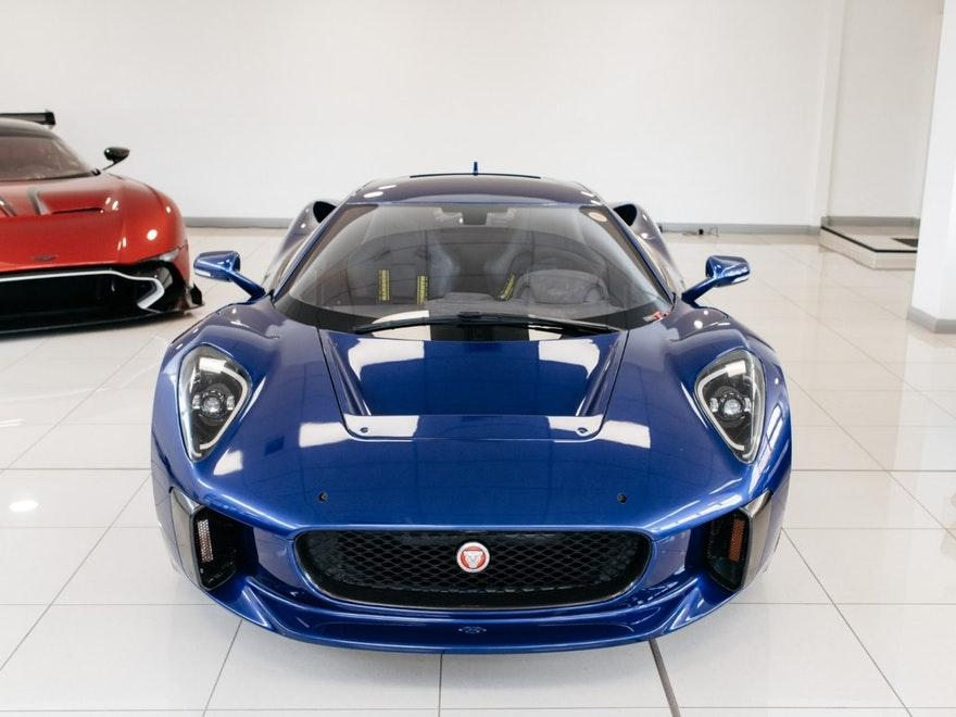 Jaguar C-X75 stuntauto James Bond