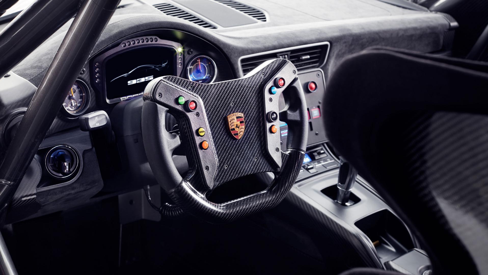 porsche 935 2018 porsche 911 gt2 rs