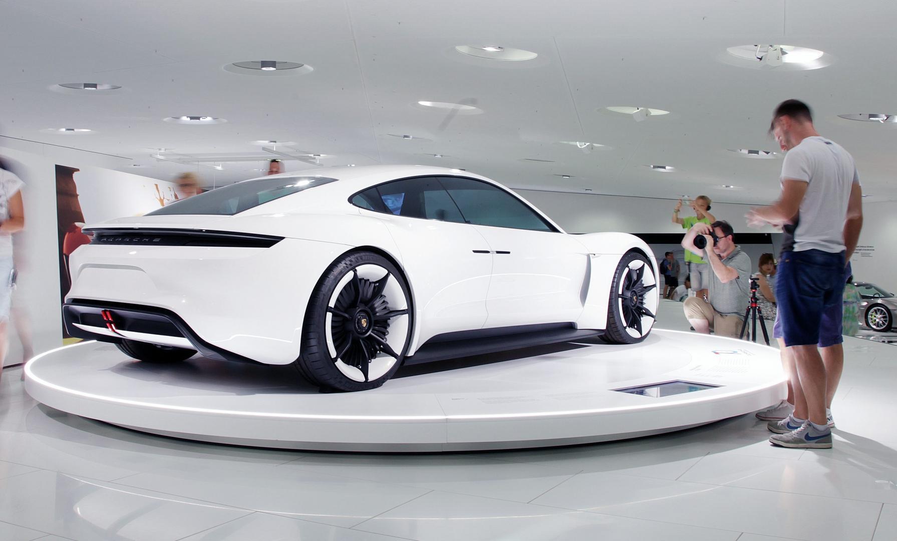 Porsche Museum Stuttgart Taycan