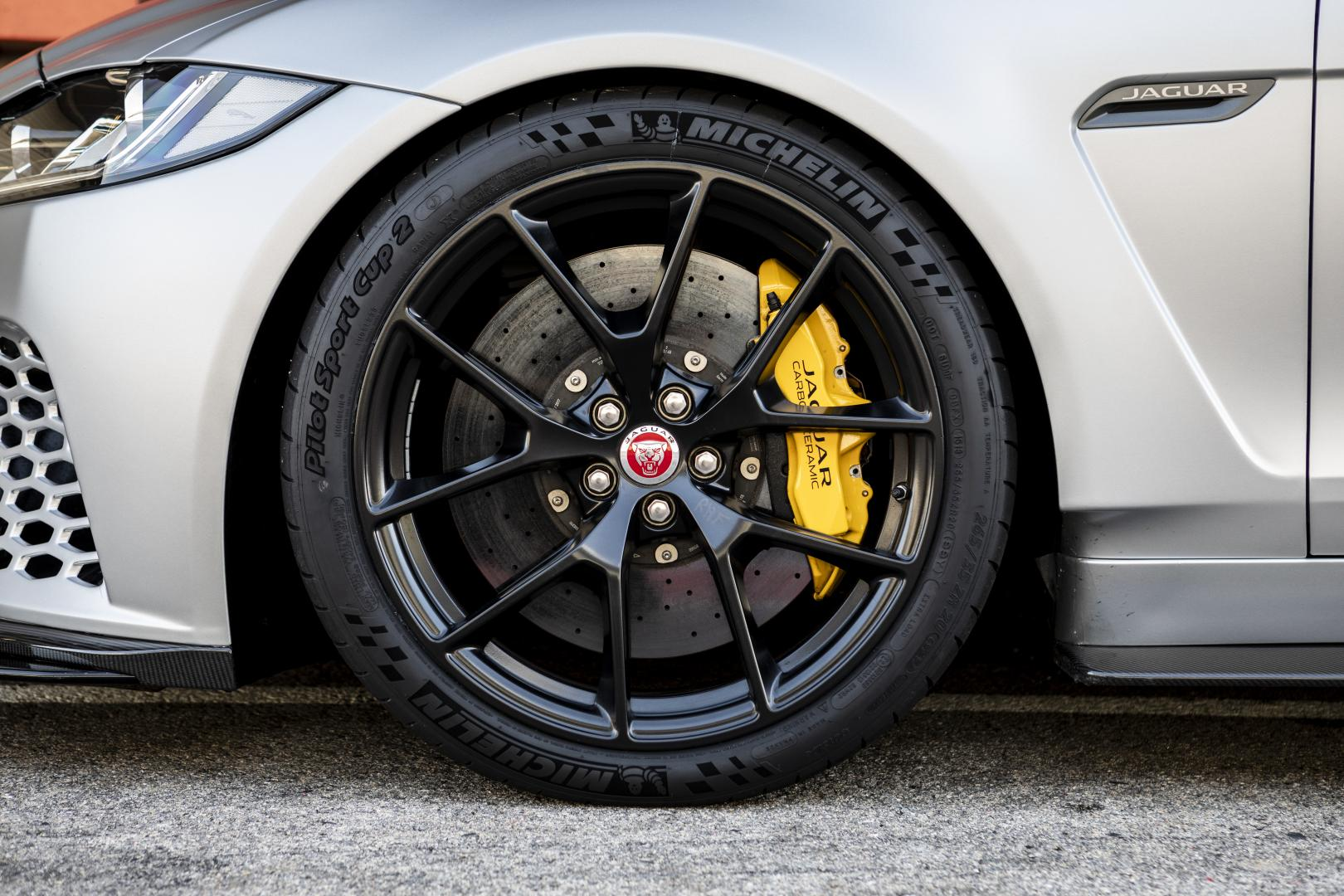 Jaguar XE SV Project 8 velg