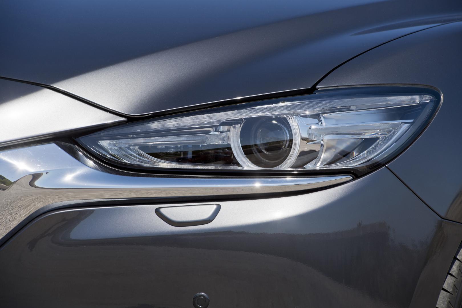 Mazda 6 SkyActiv-G 165 Signature interieur koplamp