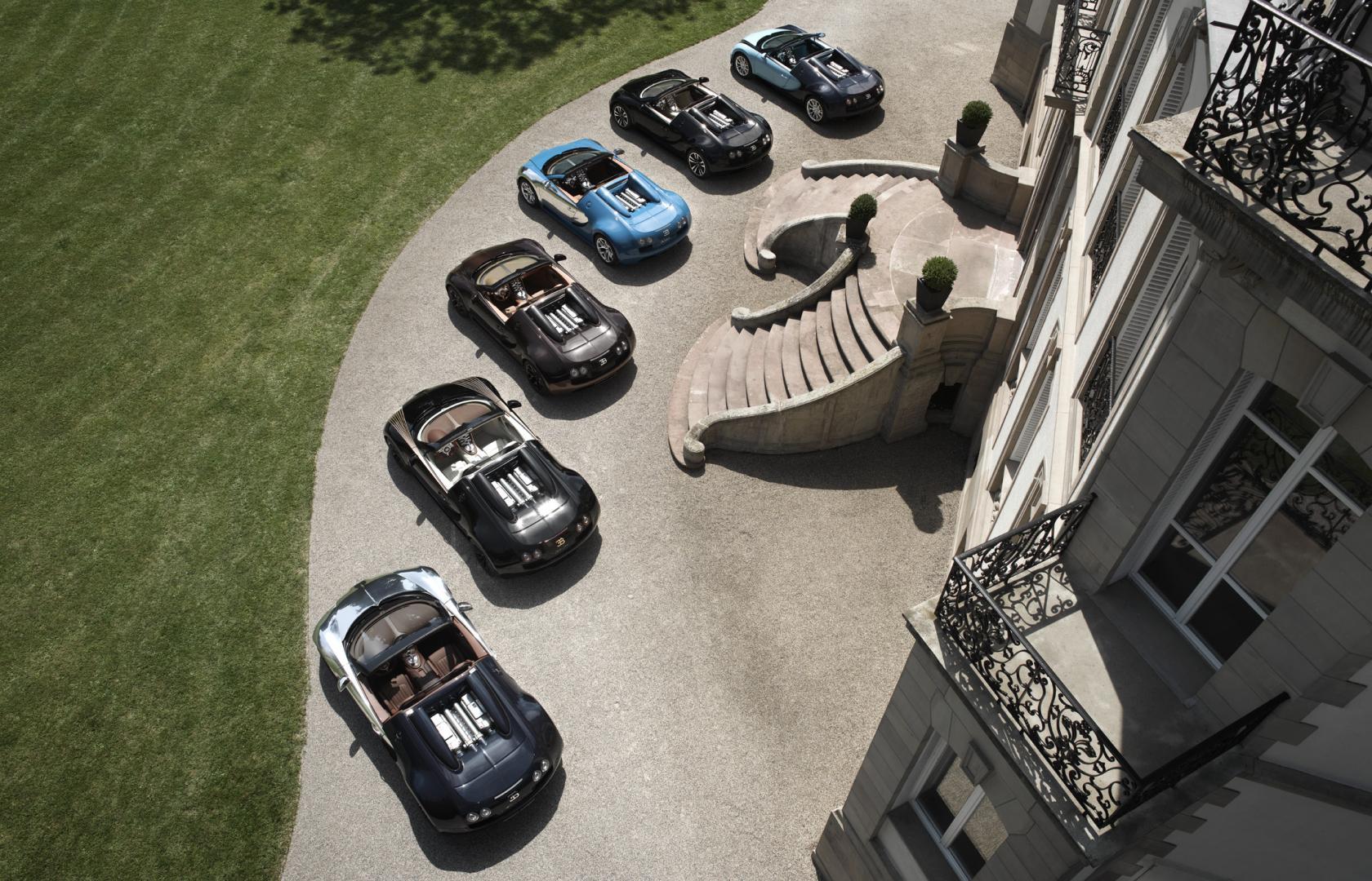 Bugatti Veyron op een rijtje