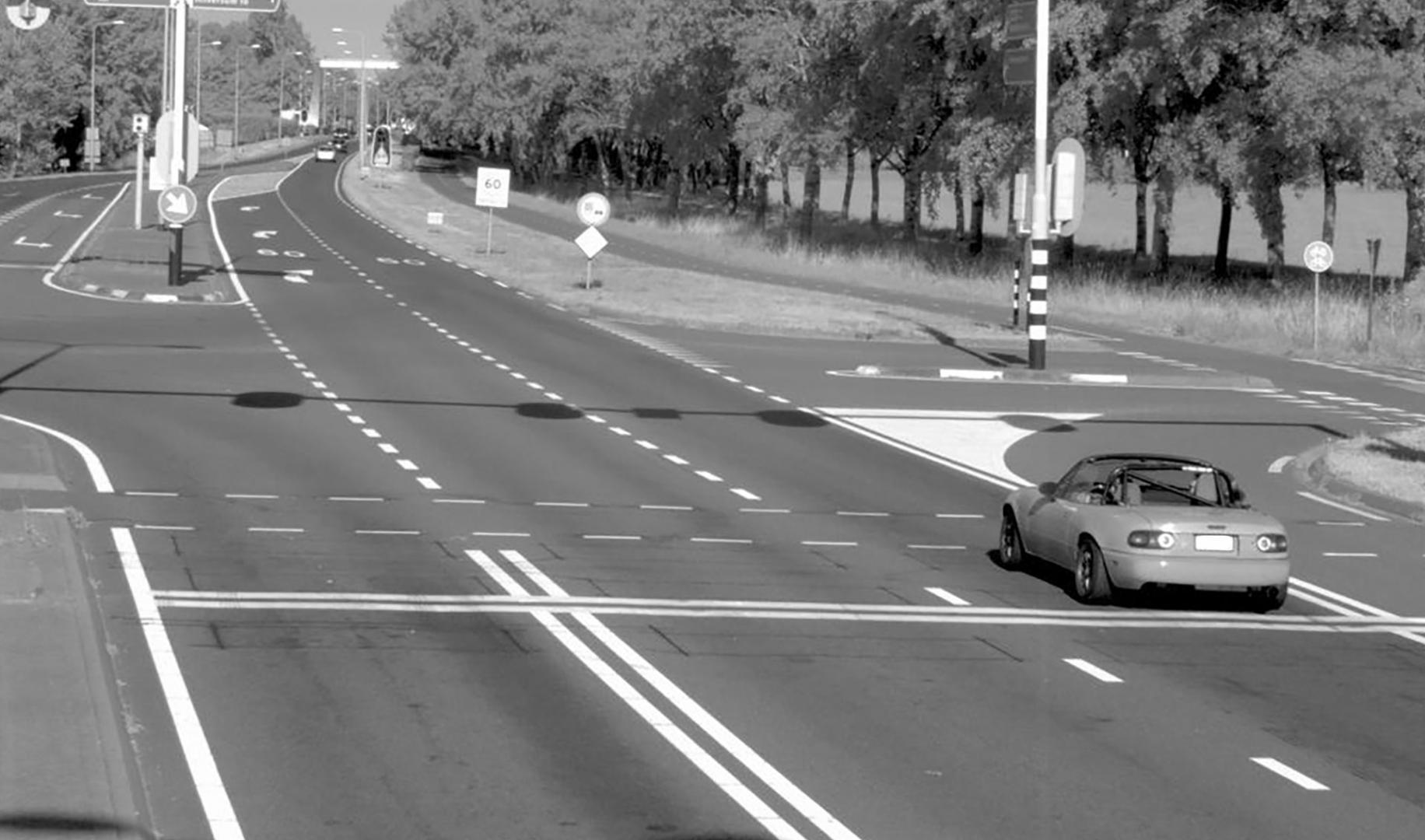 verkeersboetes snelheidsboetes flitspaal rood kruispunt