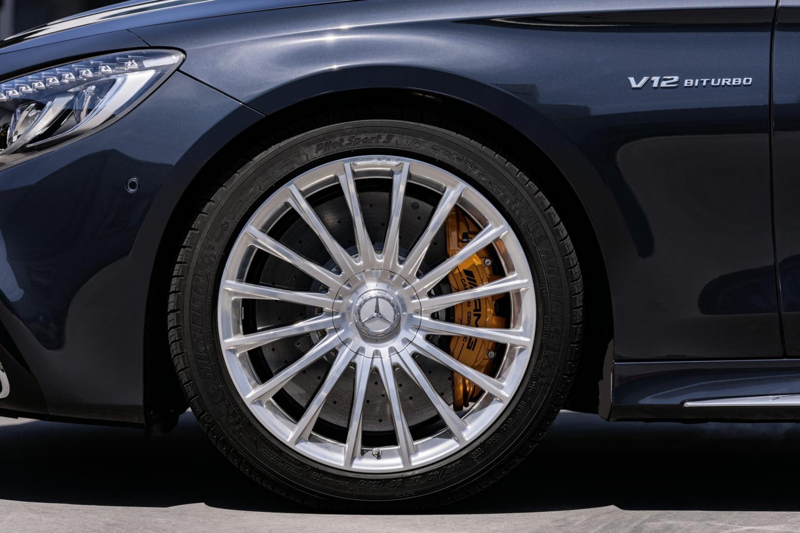 Mercedes-AMG S 65 V12 badge logo velg rem