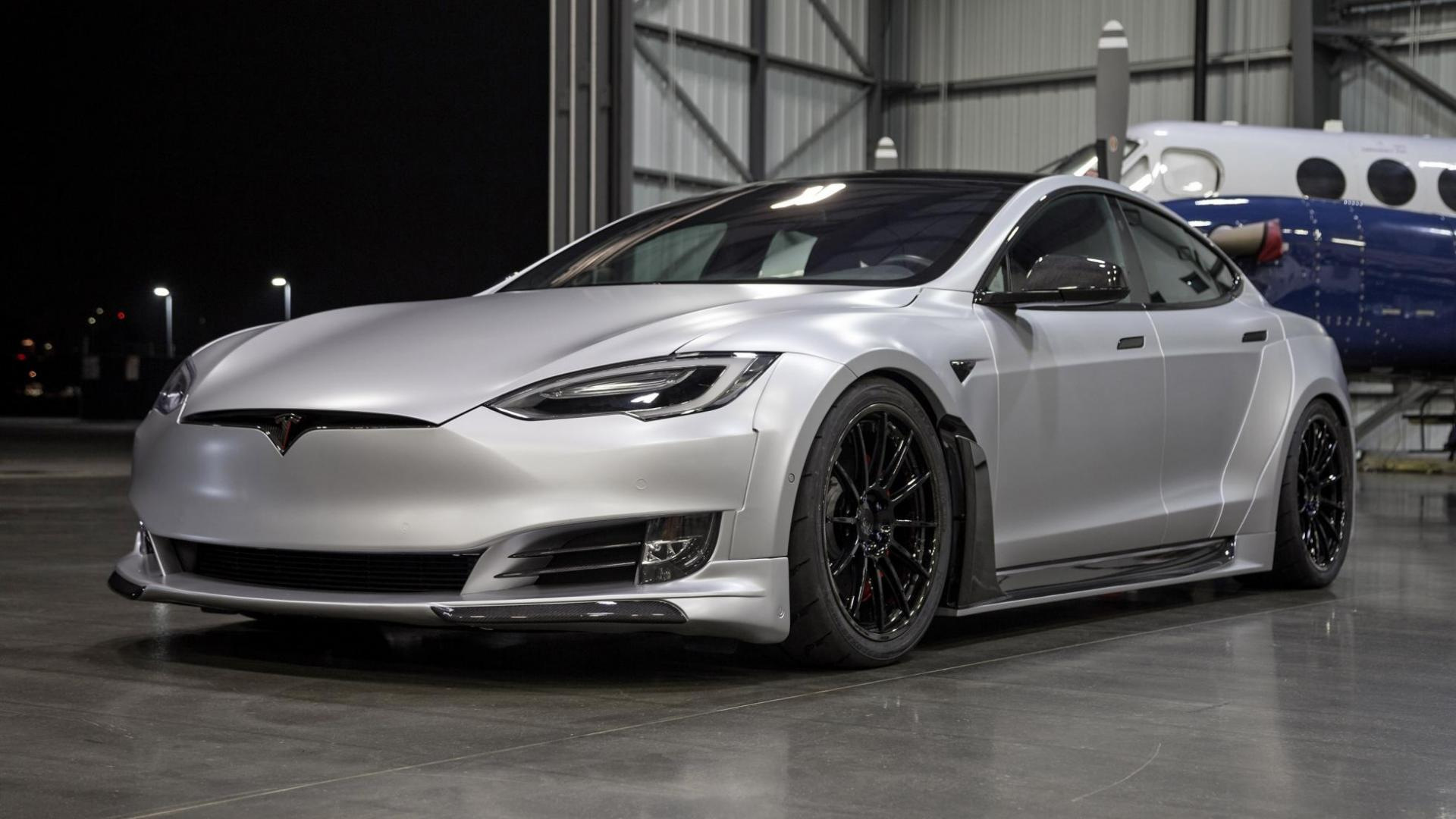 De Tesla Model S Unplugged S-Apex