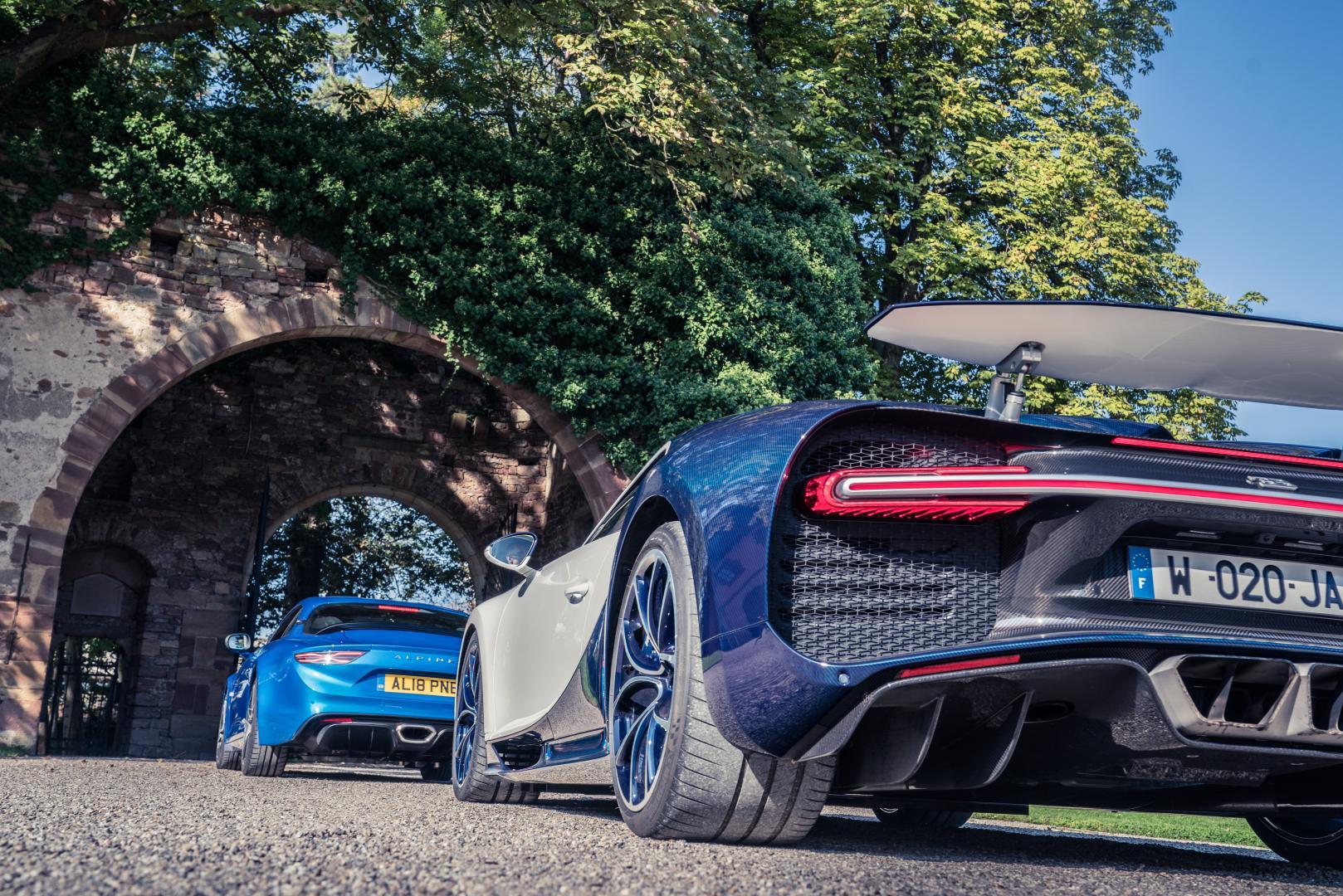 Bugatti Chiron vs Alpine A1102