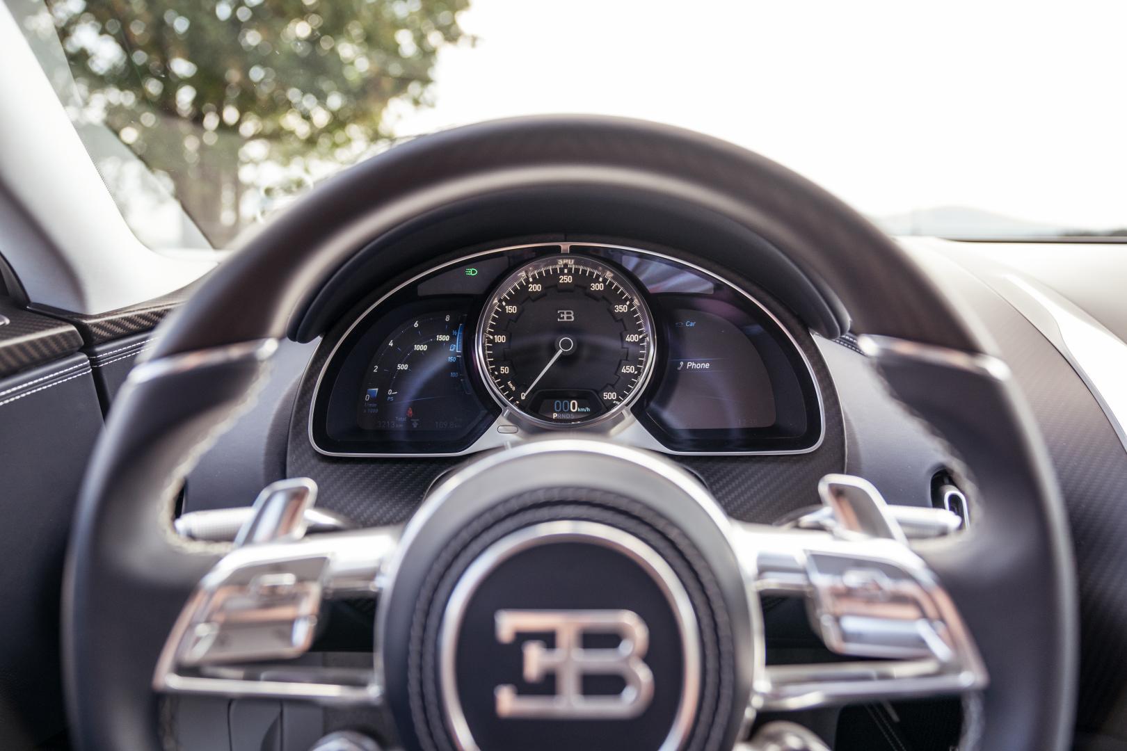 Bugatti Chiron tellers