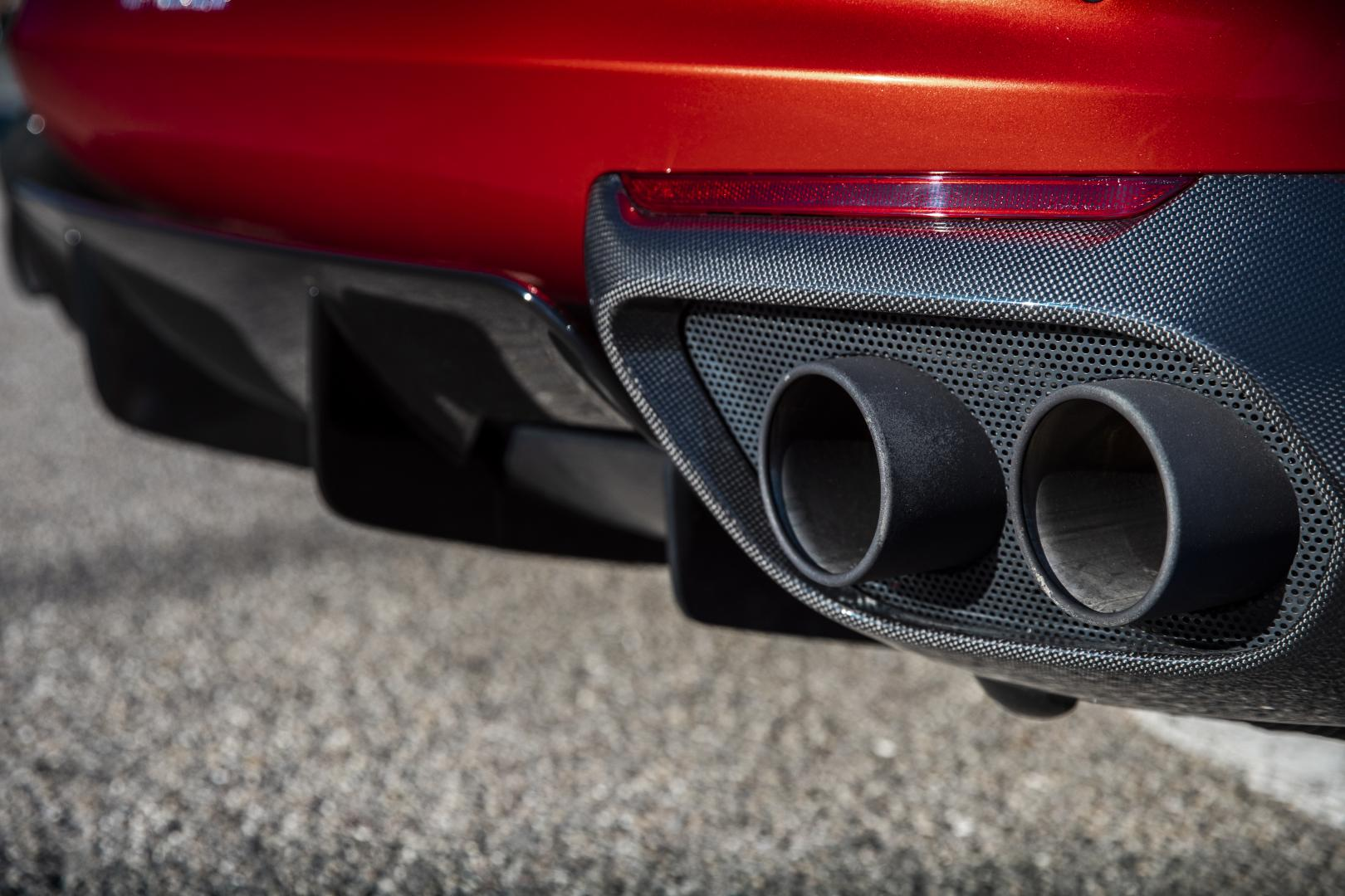 Ferrari 812 Superfast uitlaat