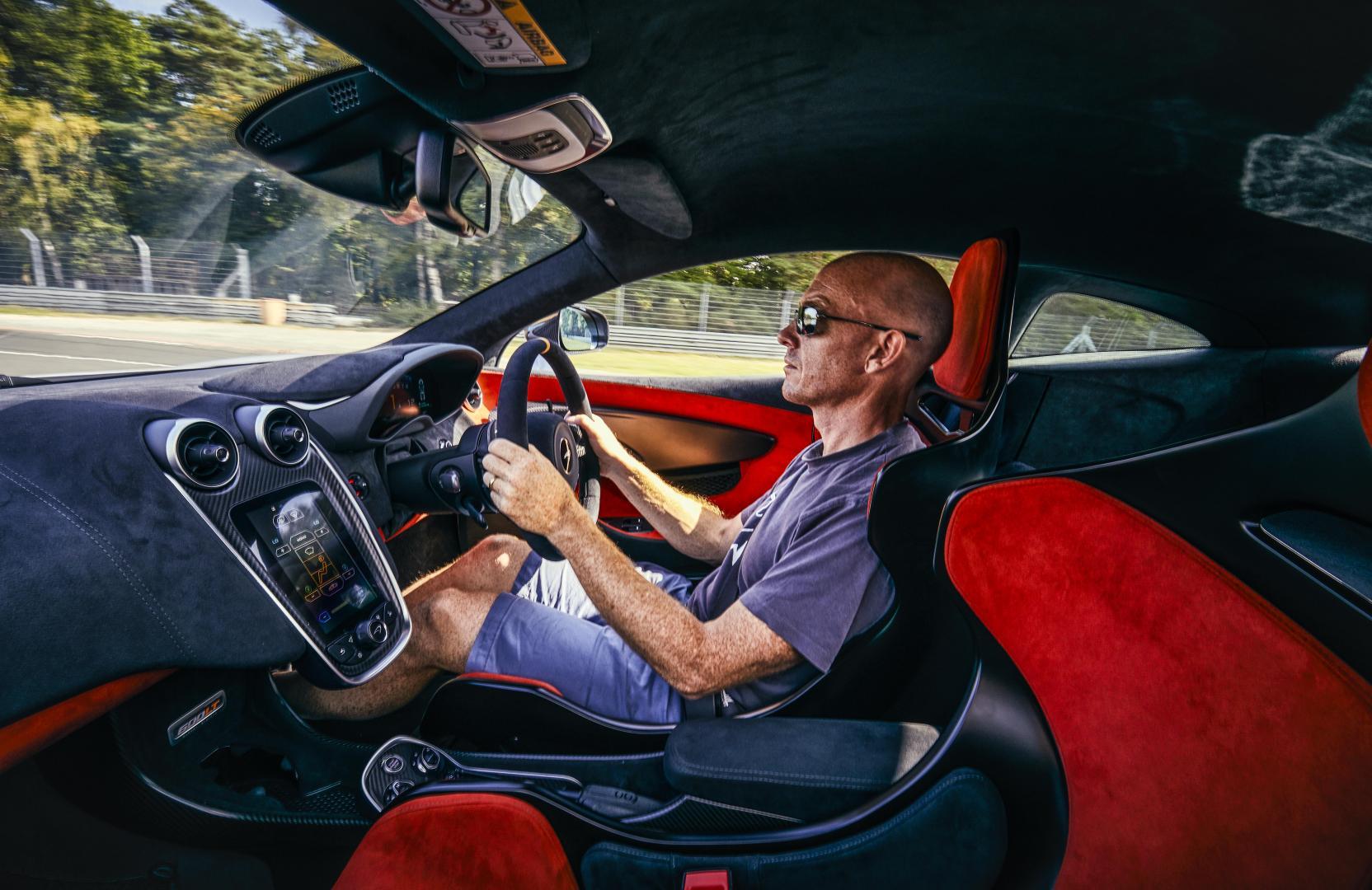 McLaren 600 LT interieur