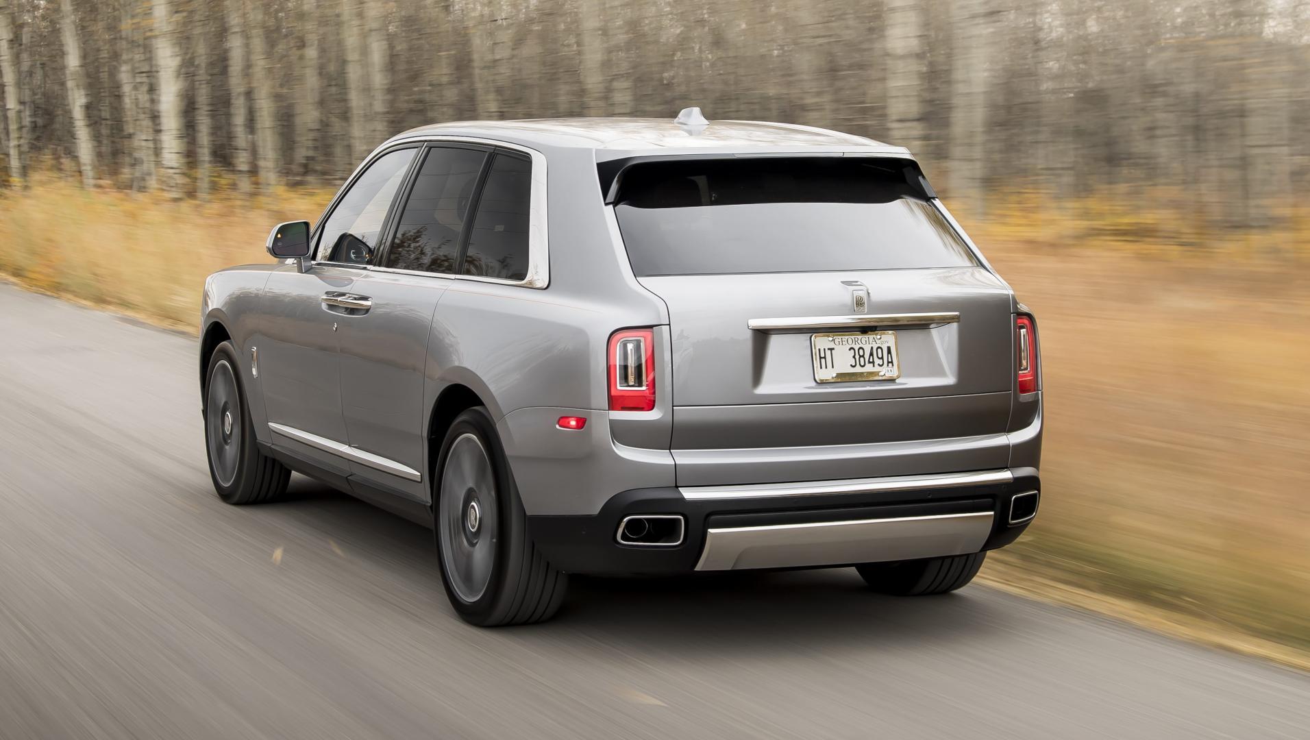 Rolls-Royce Cullinan zilver achterkant
