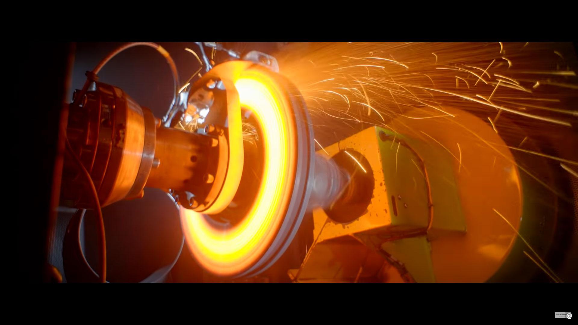 Bugatti test de eerste 3D-geprinte remklauw ter wereld