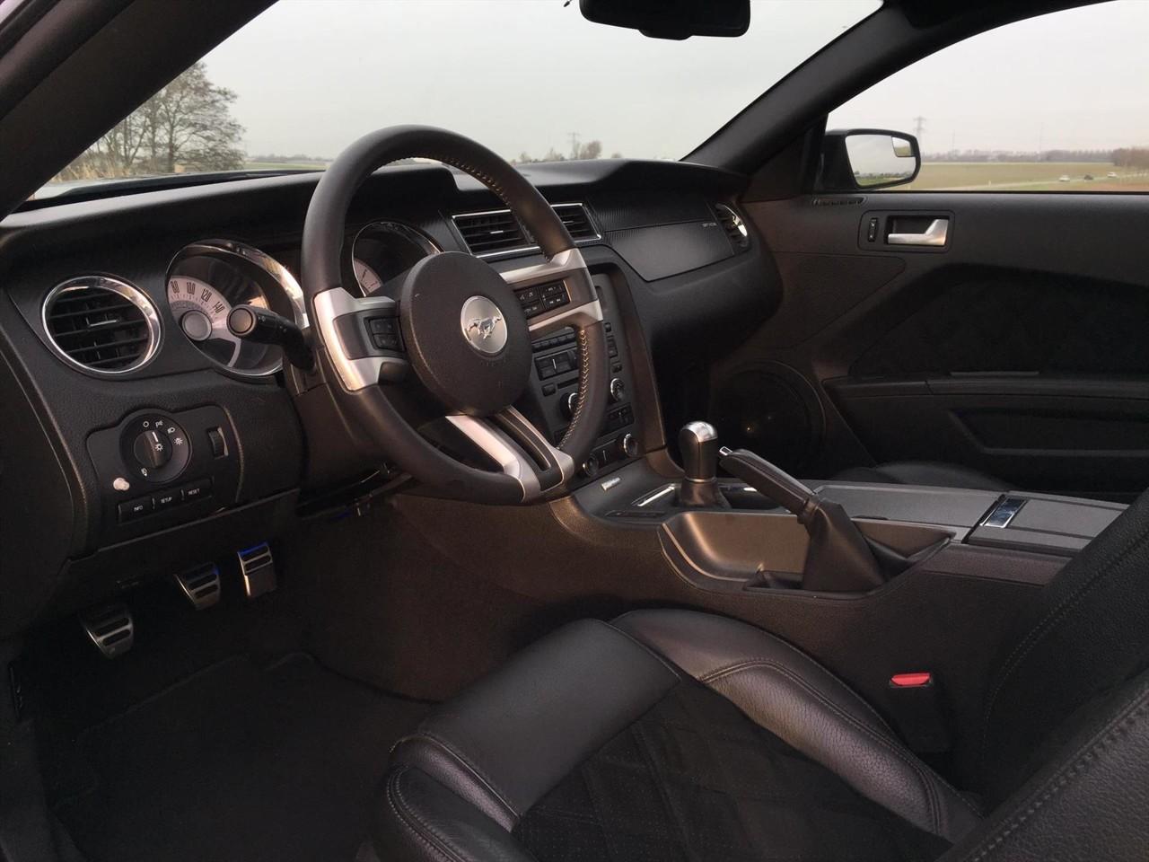 Ex-Ford Mustang van Nelly te koop in Nederland