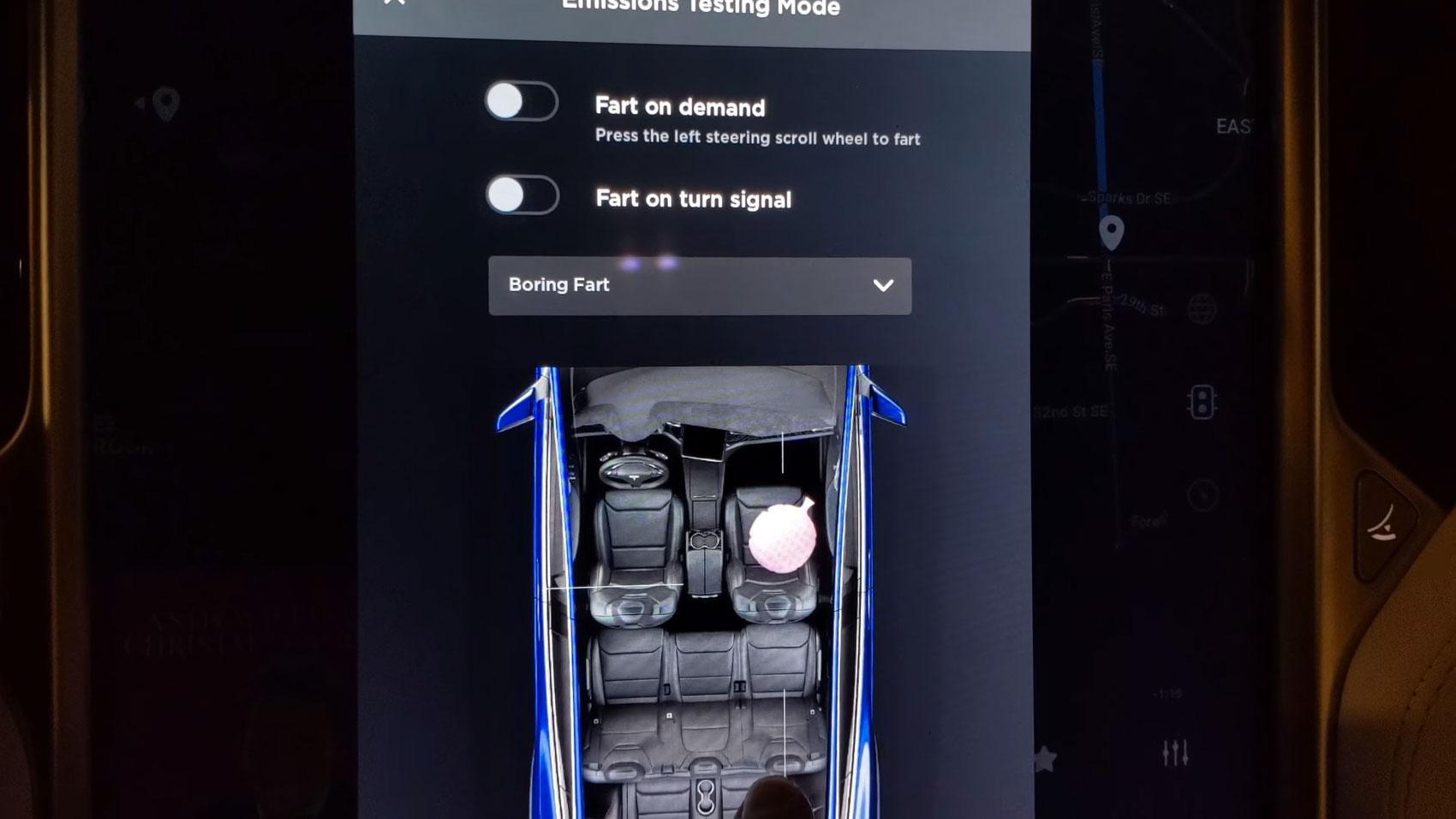 Nieuwe Tesla easter egg is een scheetkussen