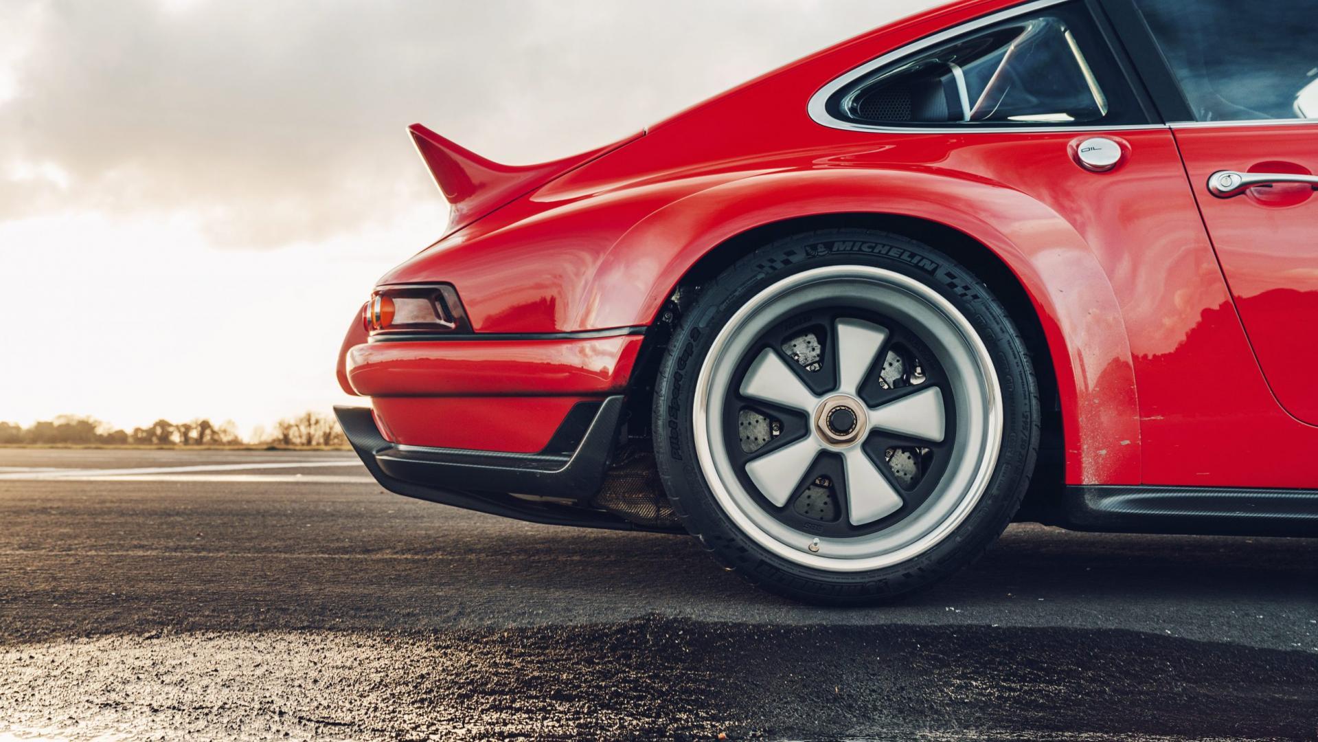 Porsche 911 Singer DLS fuchs velgen