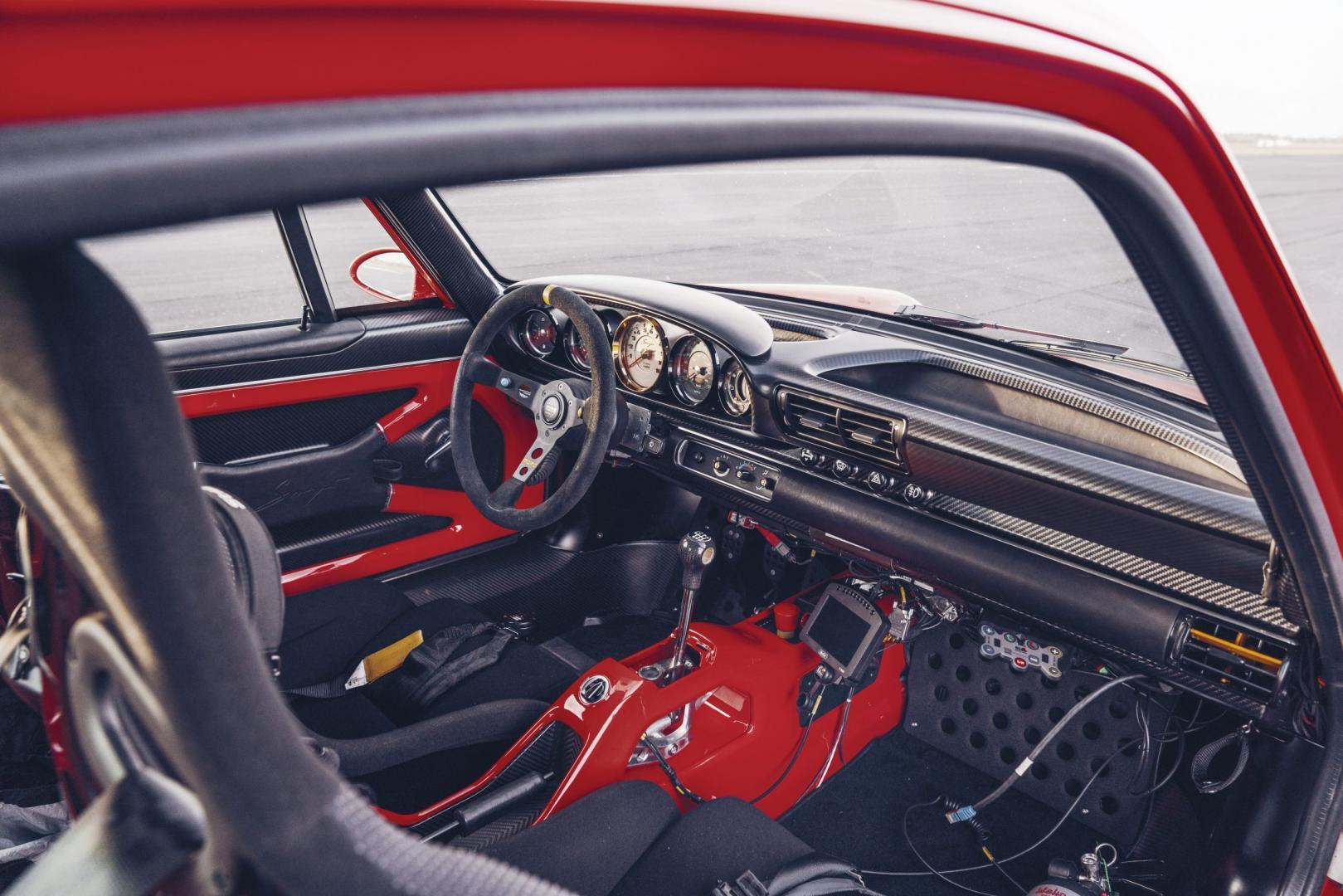 Porsche 911 Singer DLS interieur