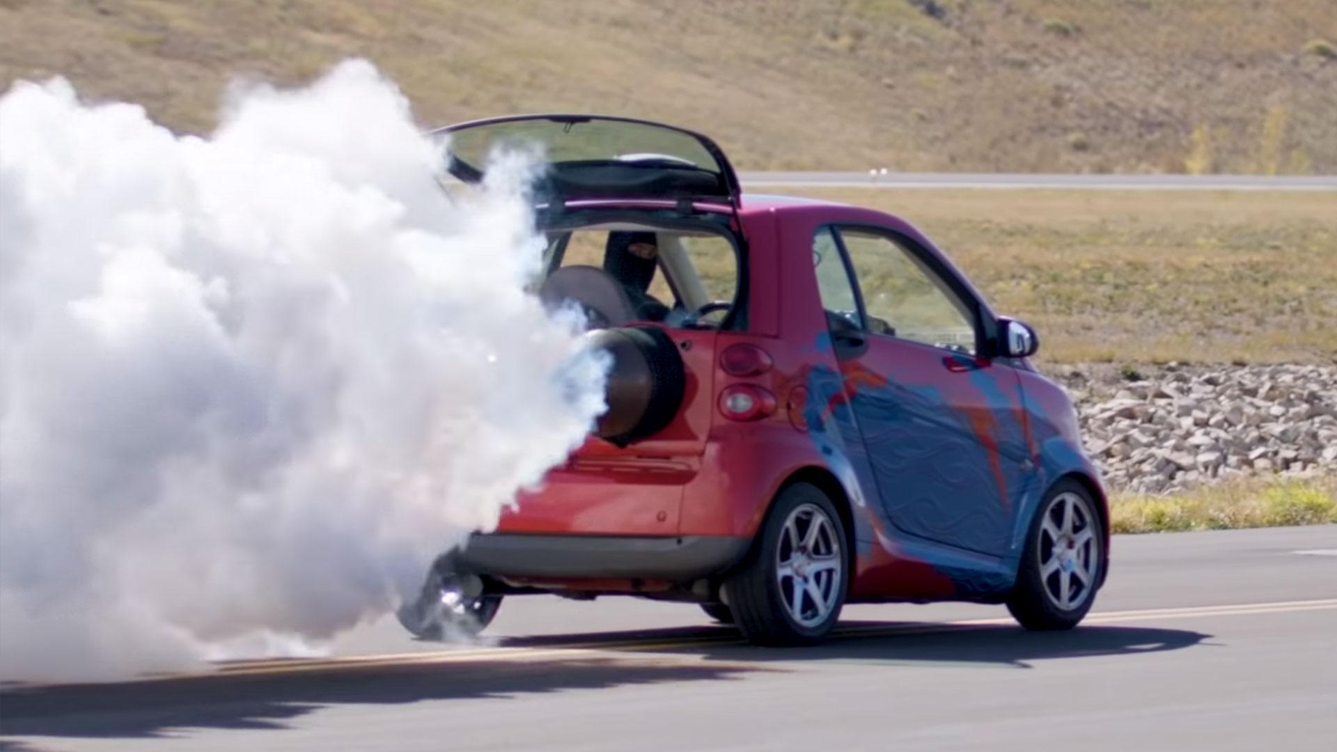 Smart met straalmotor als bijrijder is straatlegaal