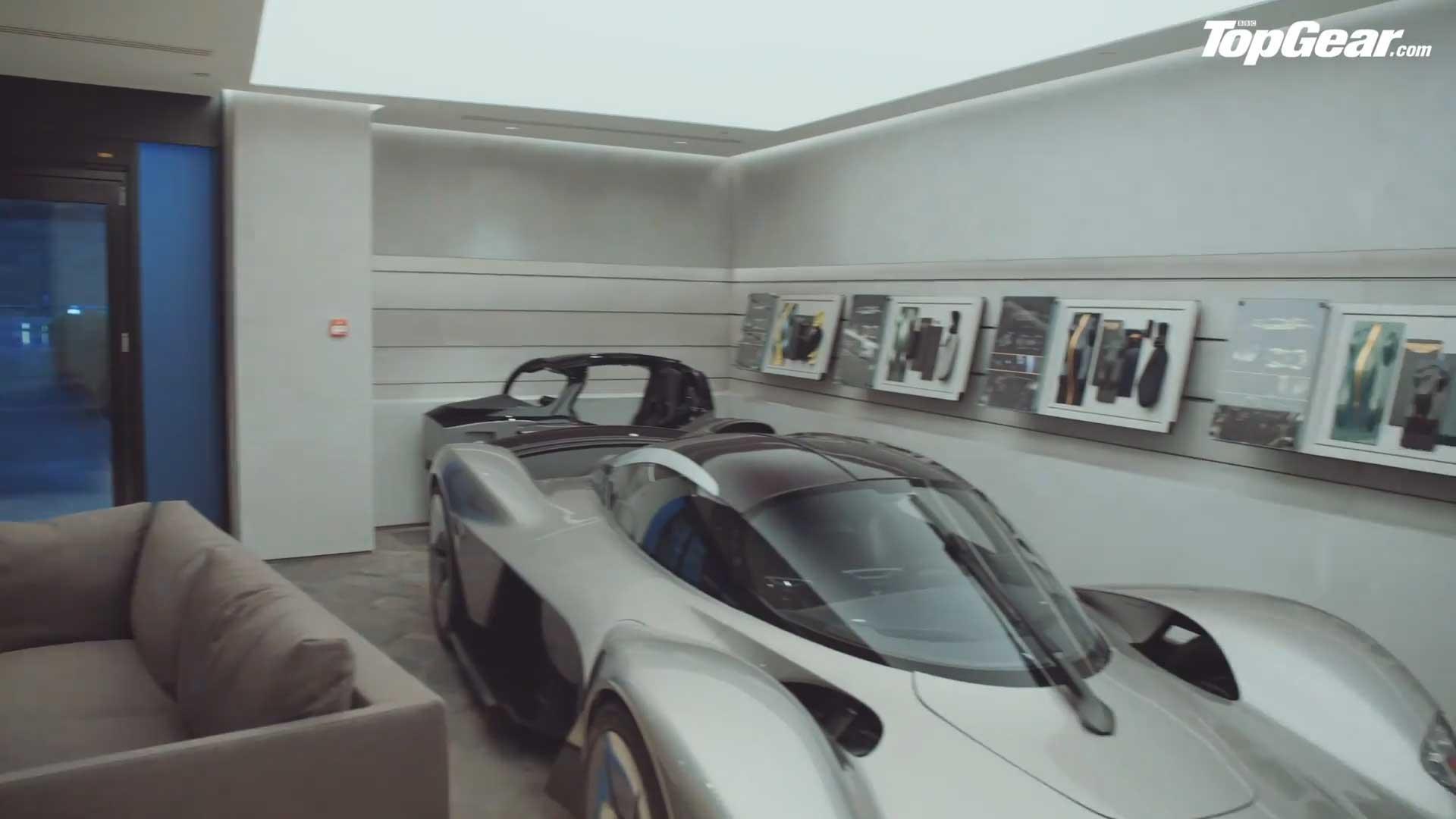 Aston Martin Valkyrie samenstellen